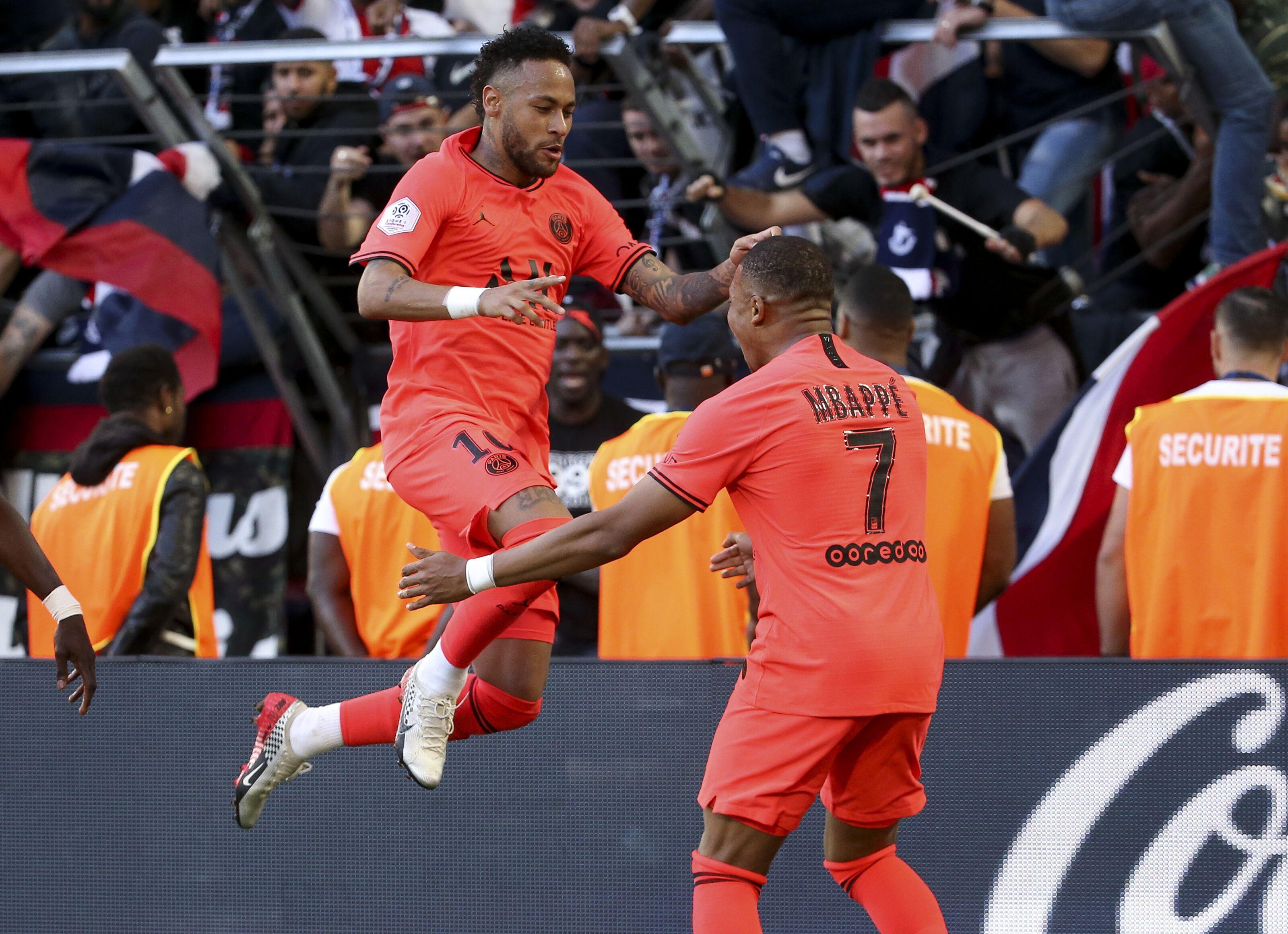 Barcelona prepare 300 million euros' summer transfer