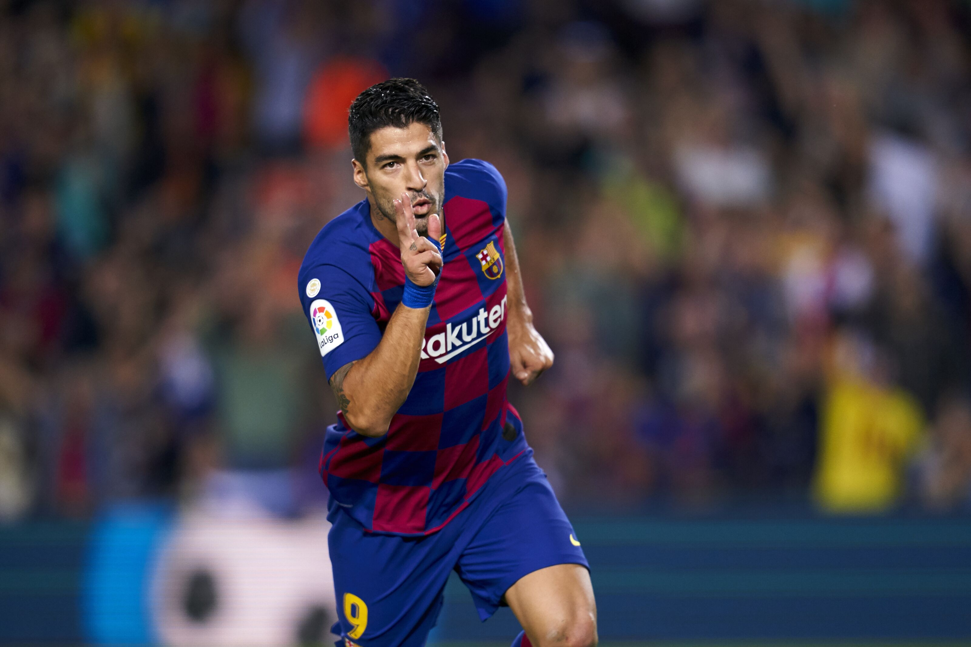 Barcelona looking at two Serie A strikers to replace Luis Suarez