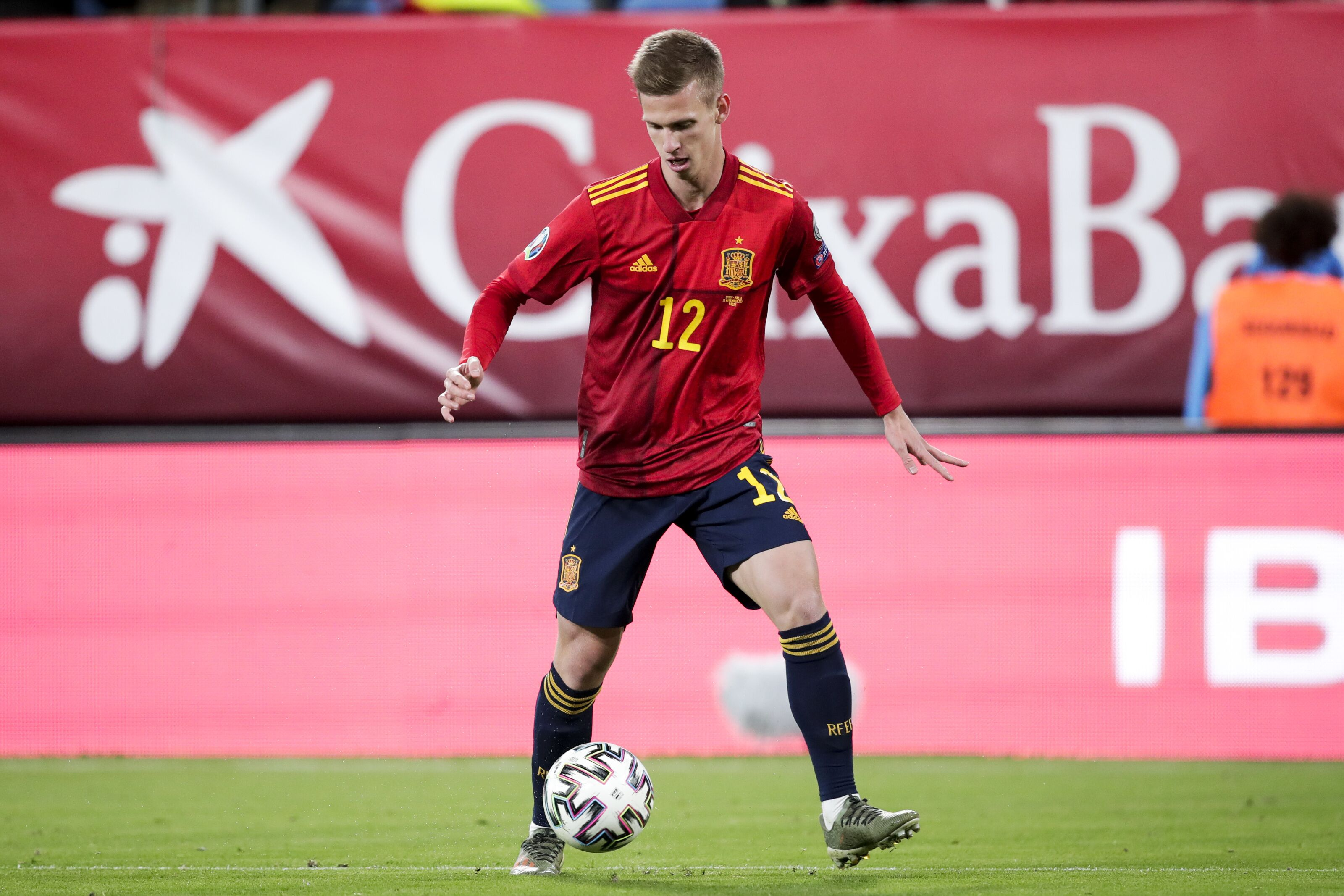 Chelsea and Barcelona set to tussle for young sensation