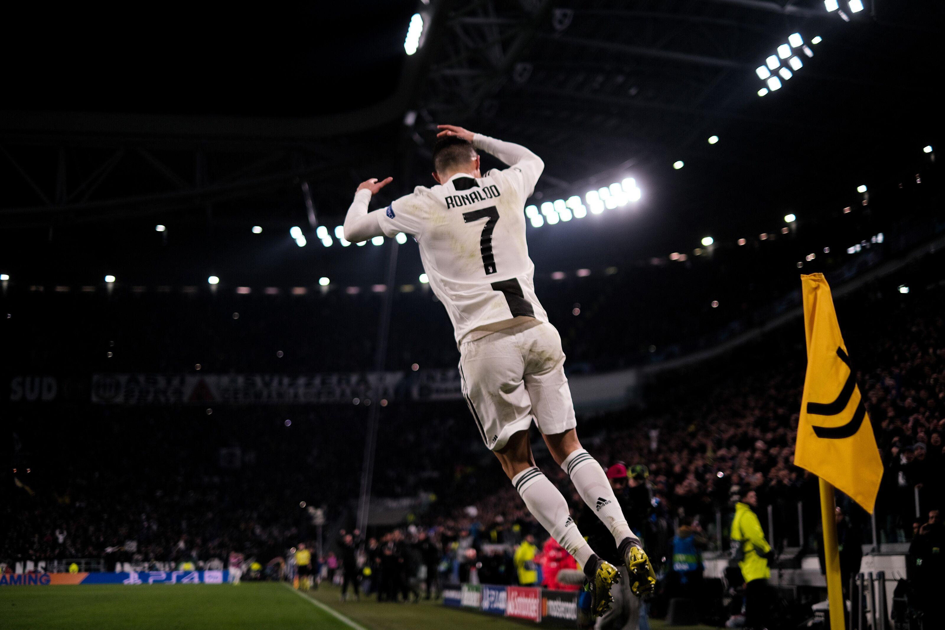 Cristiano Ronaldo Celebration Wallpaper Juventus