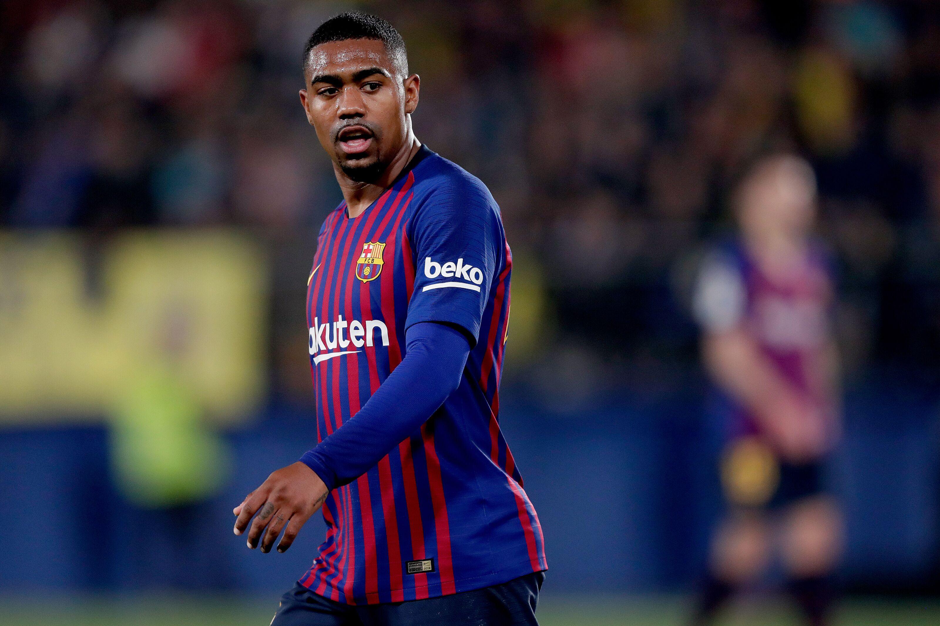 Barcelona deny transfer negotiations regarding Brazilian superstar