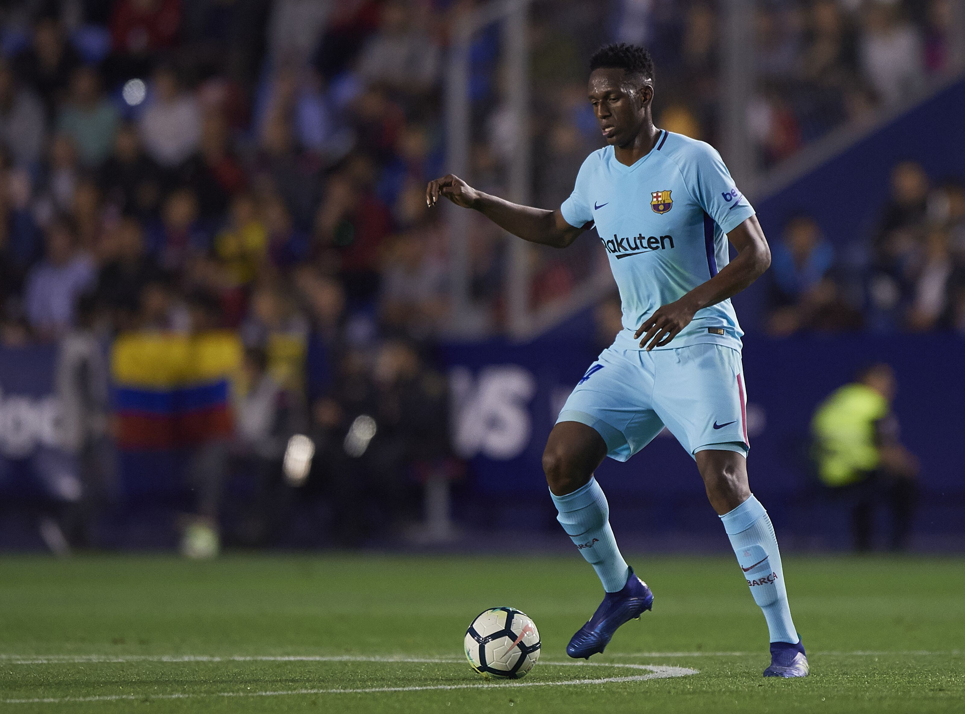 40cf0b6f9 Barcelona   Yerry Mina is not ready for a place in the squad