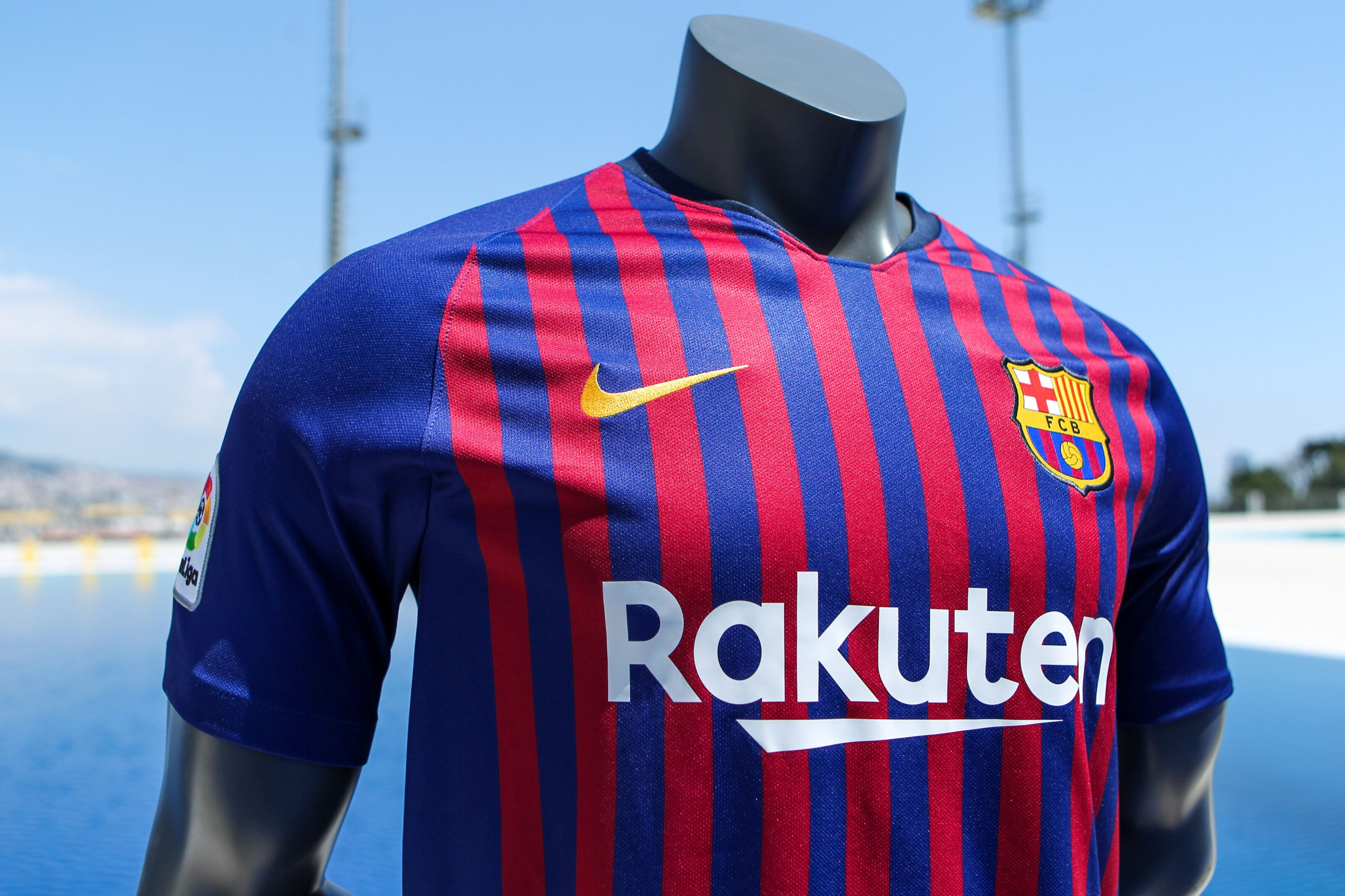 Barcelona Have Unveiled The Shirt For The 2018 19 Season