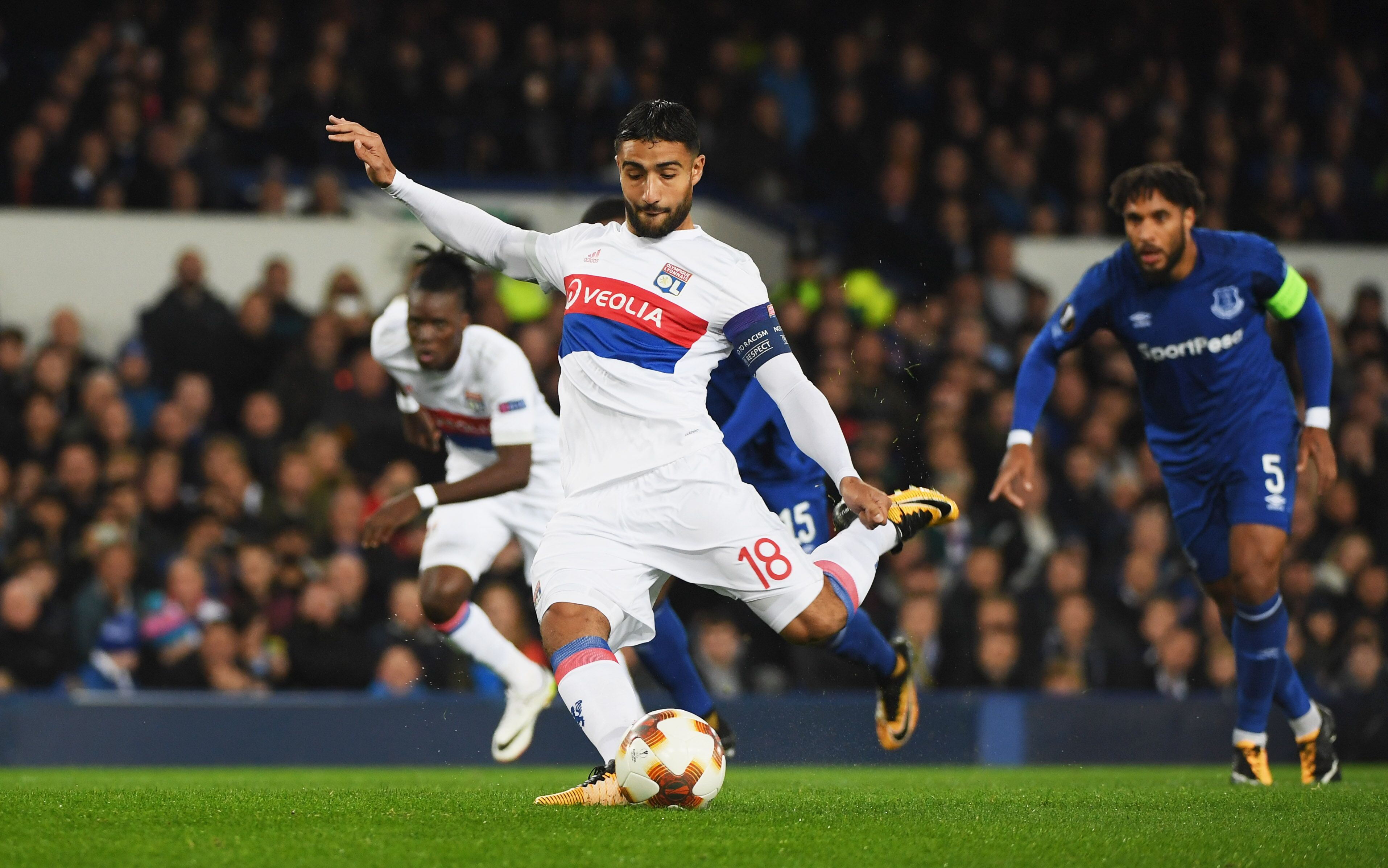 Barcelona Lyon Update: Barcelona Transfer Rumour Update