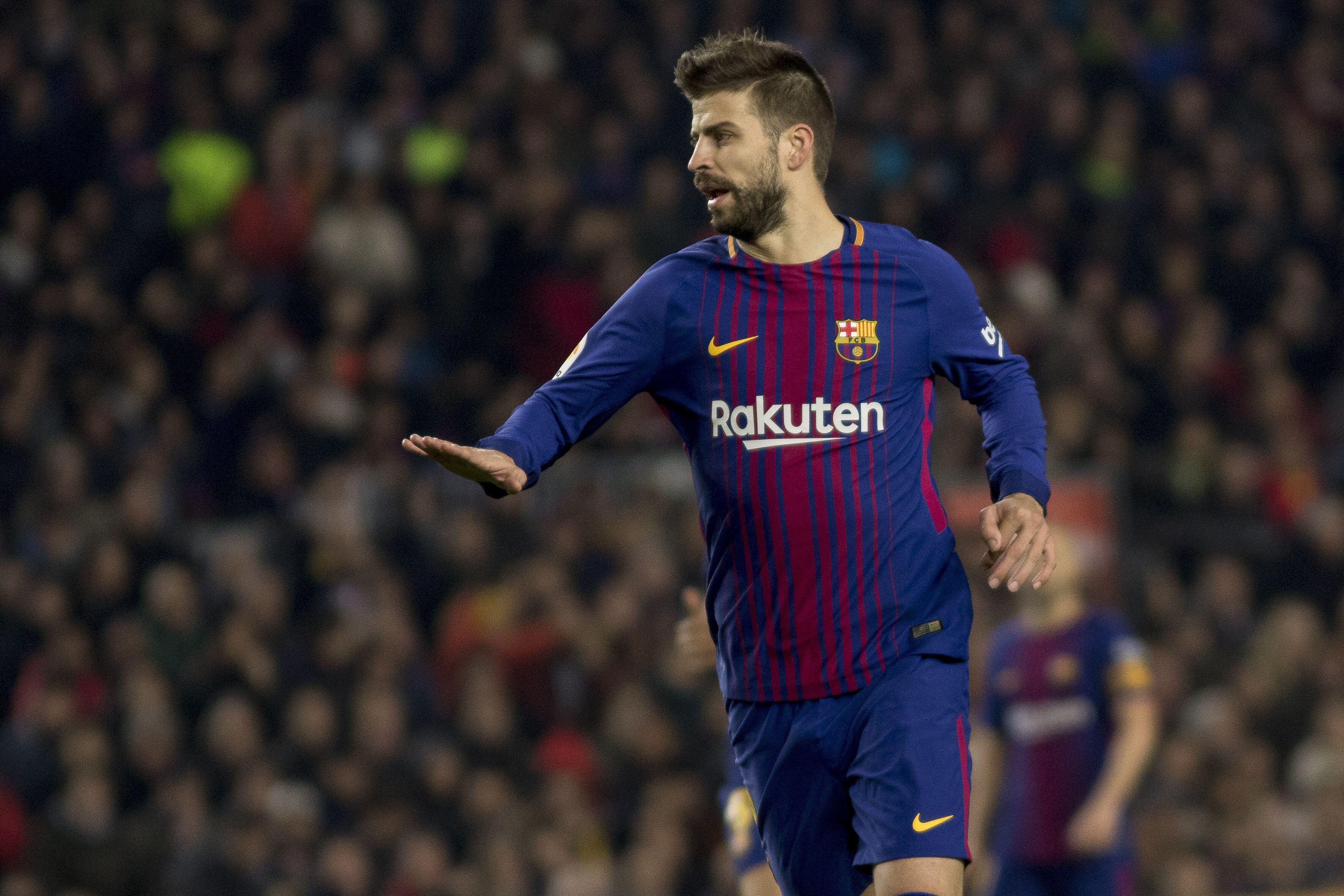 Gerard Pique returns to Barcelona training