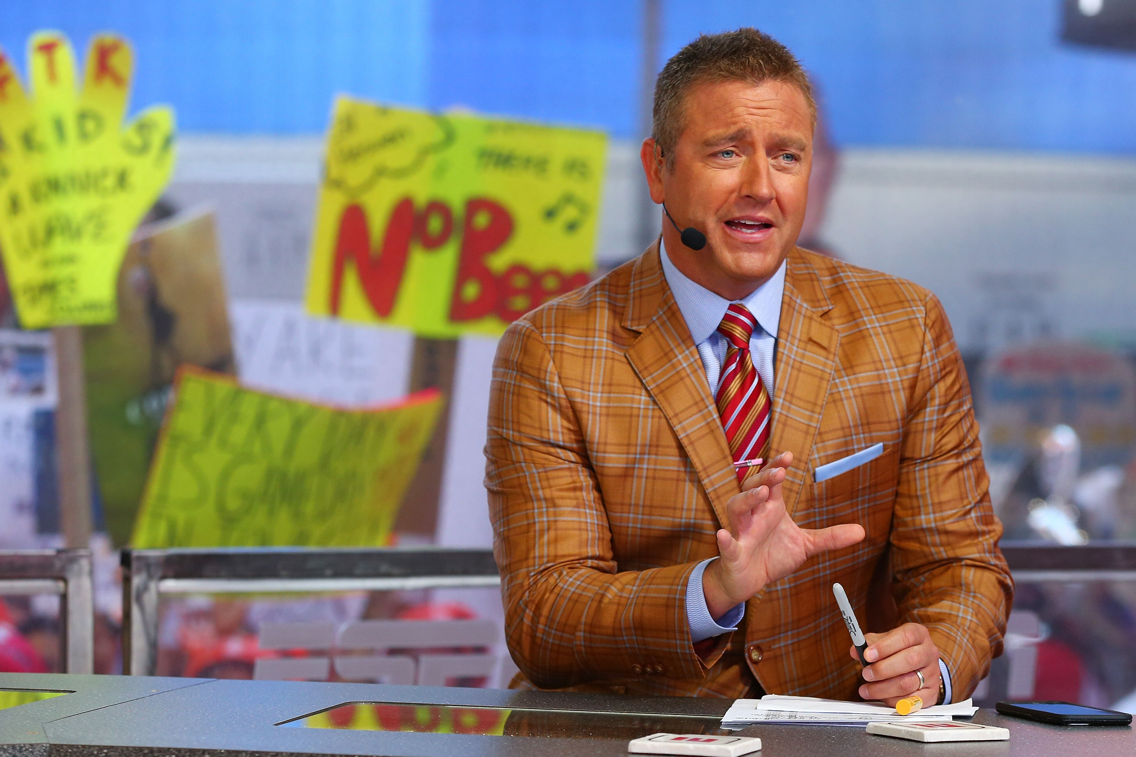 852373846-espn-college-gameday-built-by-the-home-depot-times-square.jpg
