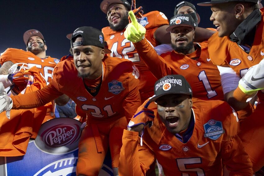 College Football: Picking 40 bowl games against the spread ...