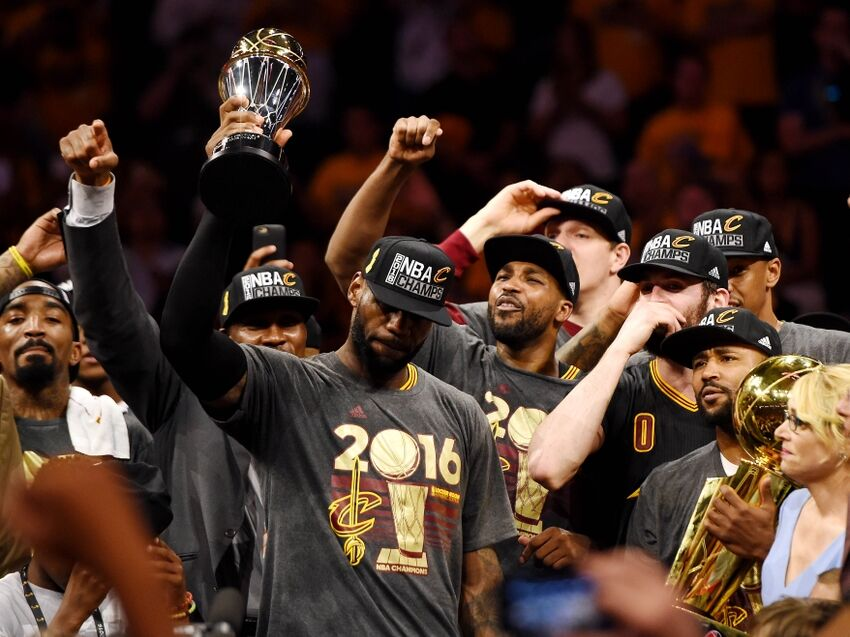 1e59be0f1476 LeBron James with a superb troll of the Golden State Warriors