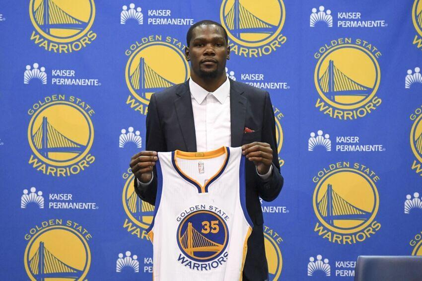 d8d089e48 Kevin Durant tops jersey sales