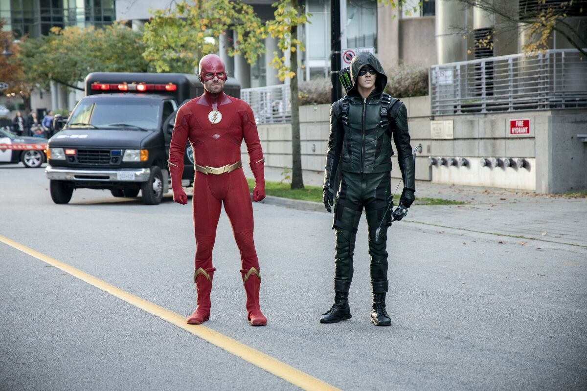 Top 10 moments from the Arrowverse's Elseworlds crossover