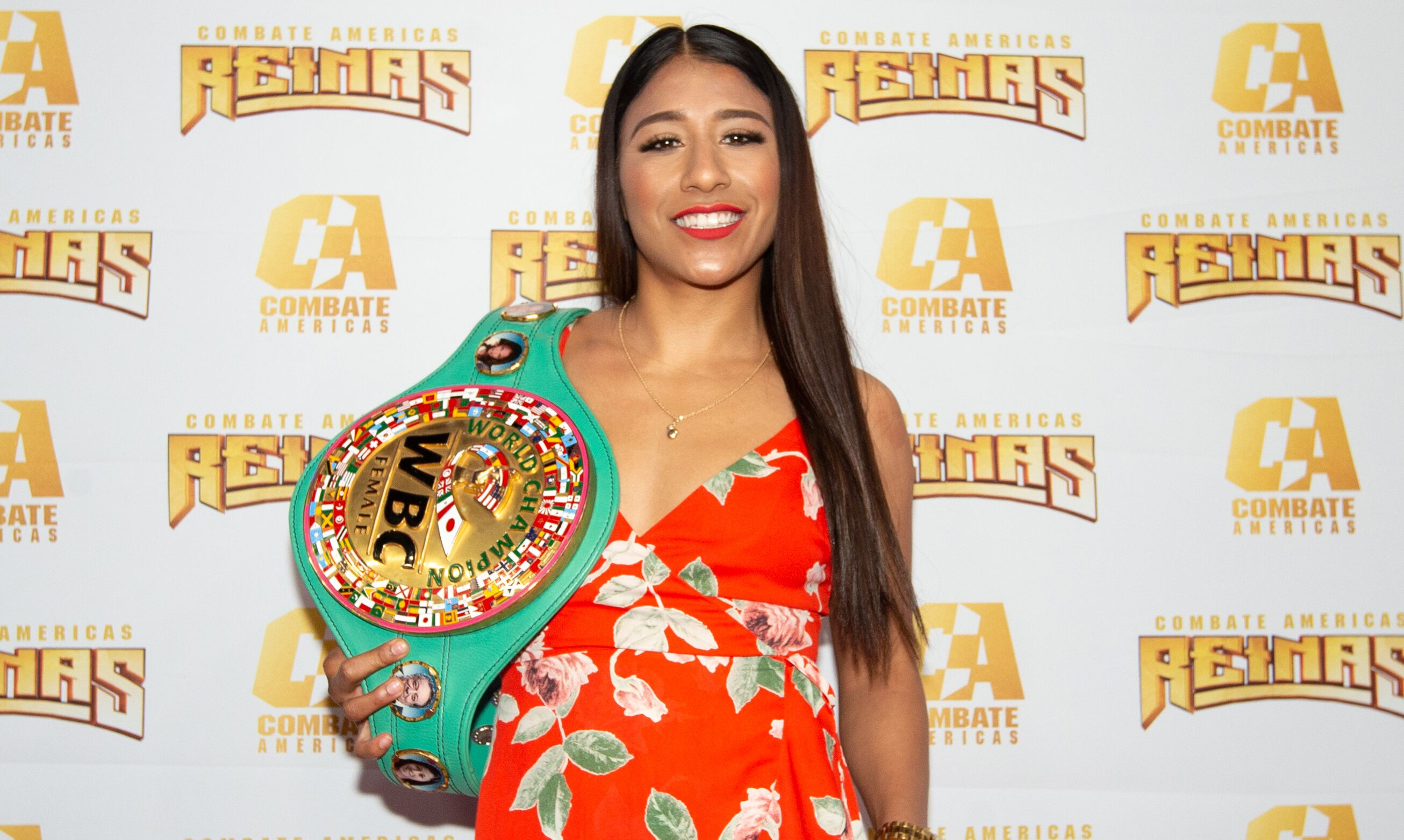Boxing champ Kenia Enriquez signs with Combate Americas for MMA debut