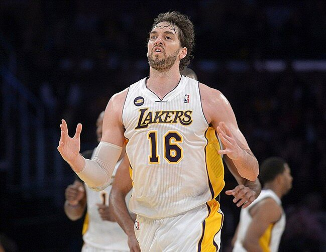 9358f2ea8 Los Angeles Lakers to wear white