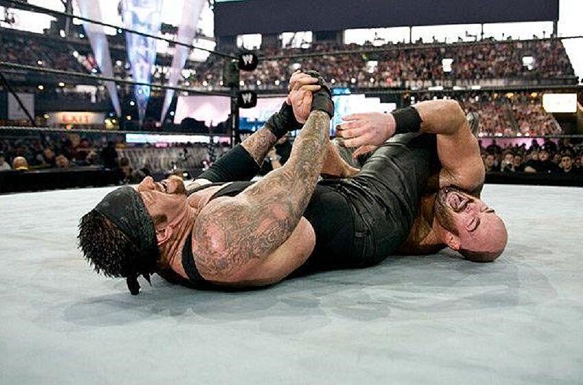 Resultado de imagem para The Undertaker vs. Big Show & A-Train - Wrestlemania XIX
