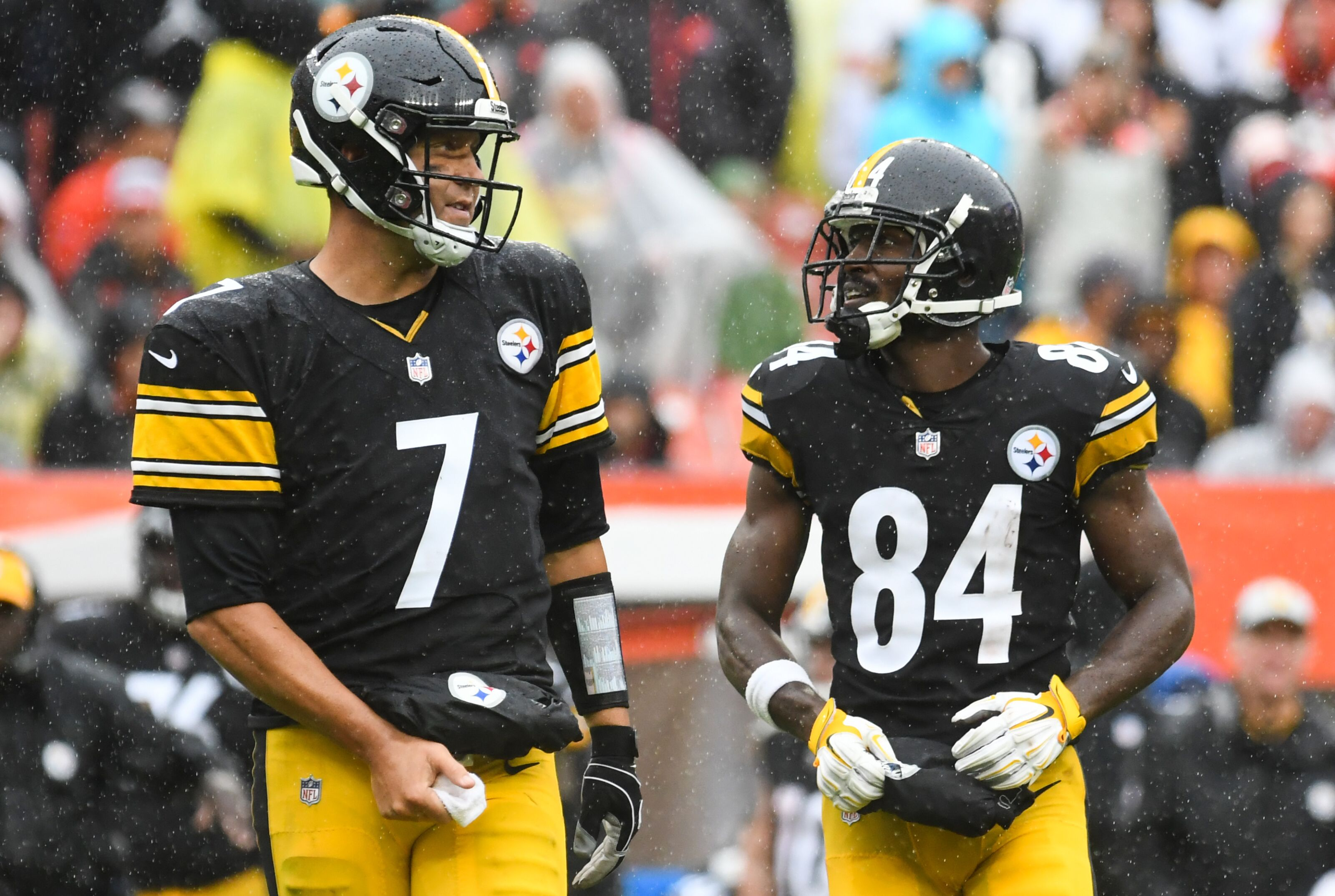 8ba5ddf0723 Antonio Brown doubles down on criticism of Ben Roethlisberger