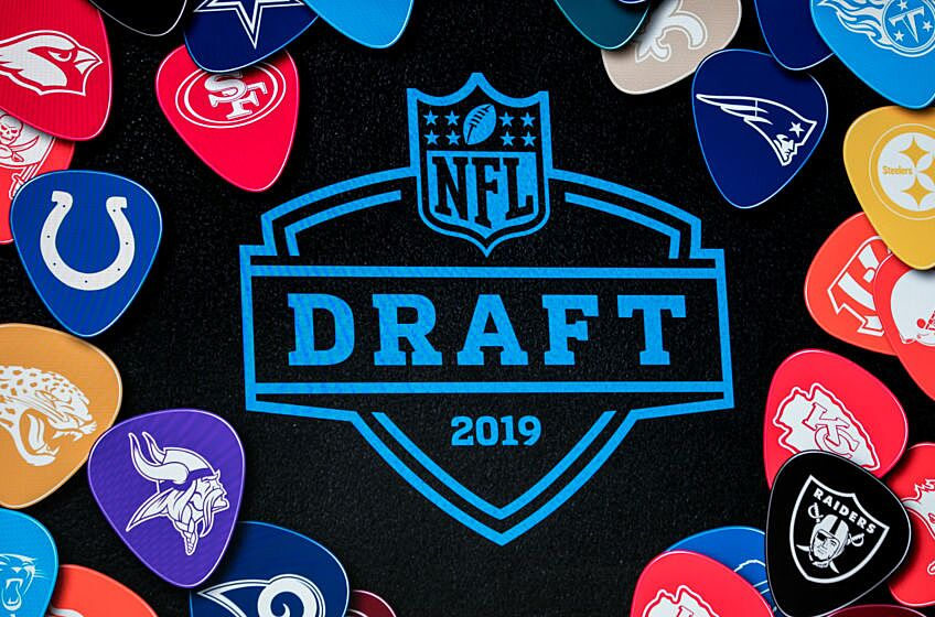 High Stakes Fantasy Football Draft: With the 7th pick we