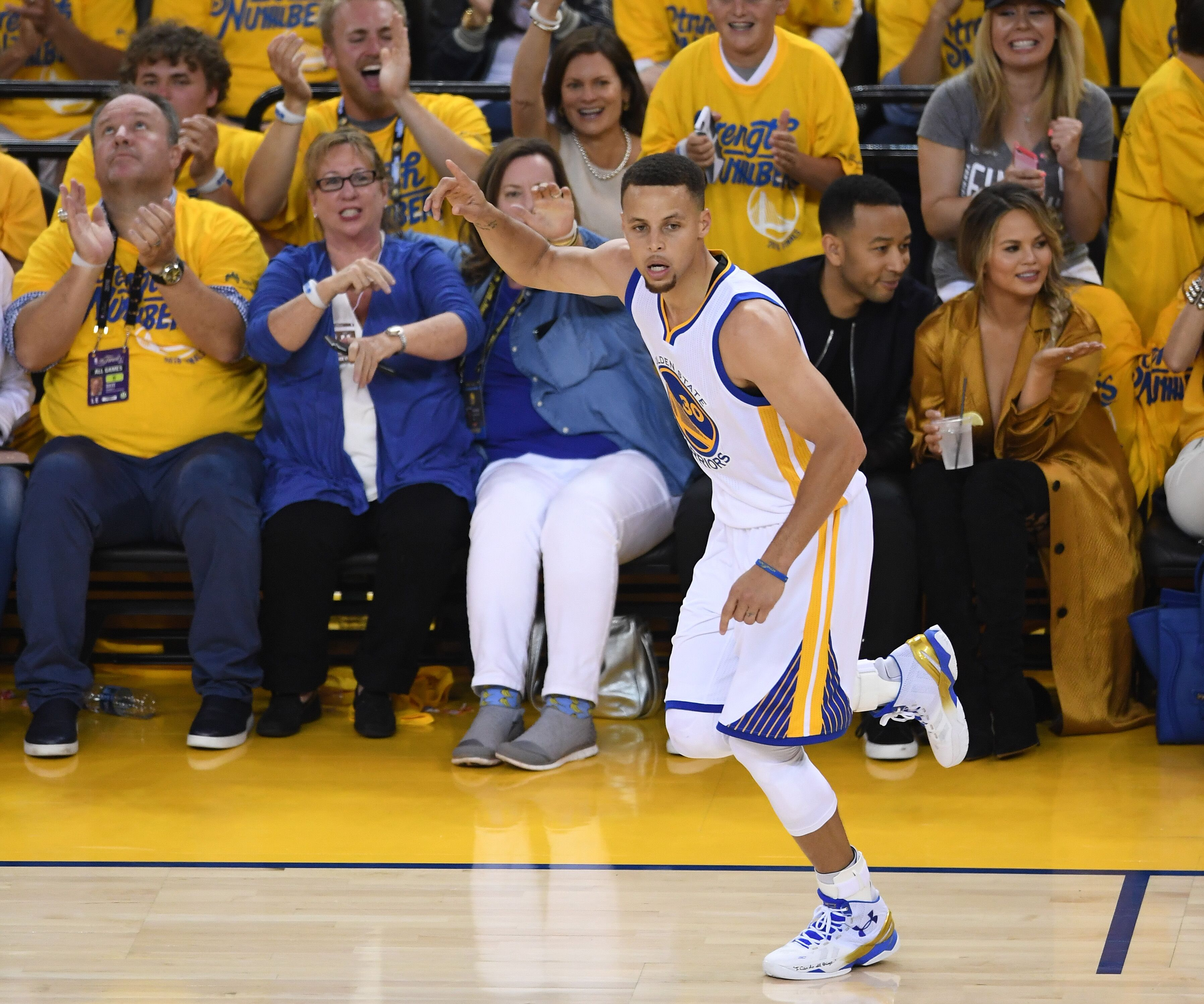 Rockets Vs Warriors Time Central: NBA Finals: Warriors Vs. Cavaliers Game 1 Recap, Full