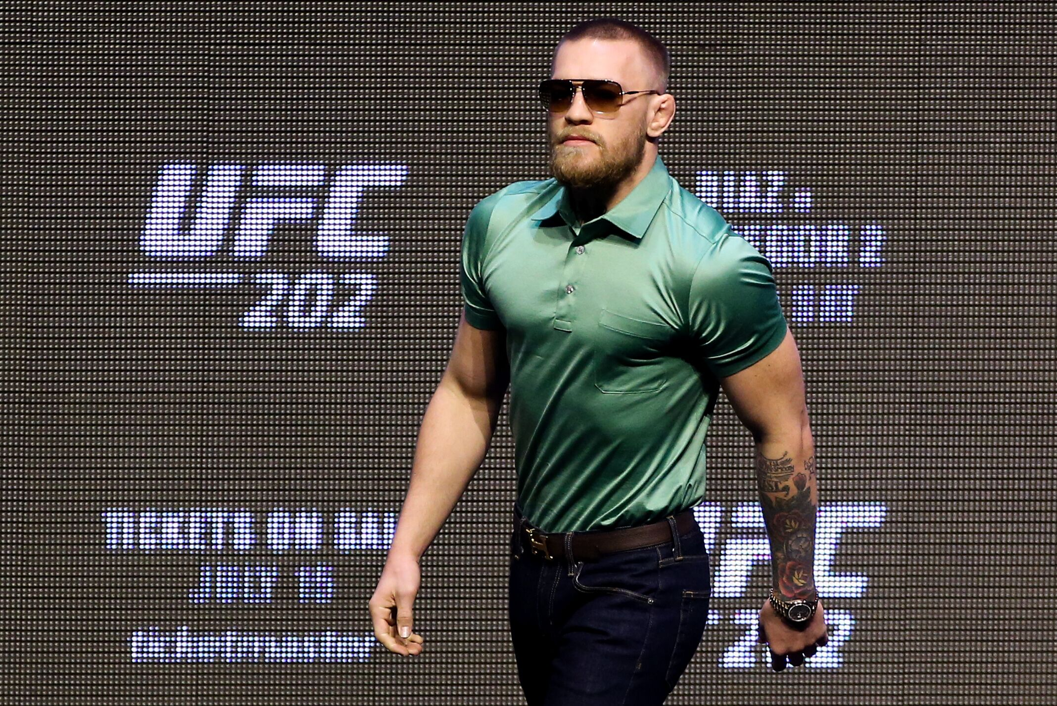 Someone who sounds exactly like Conor McGregor played Overwatch