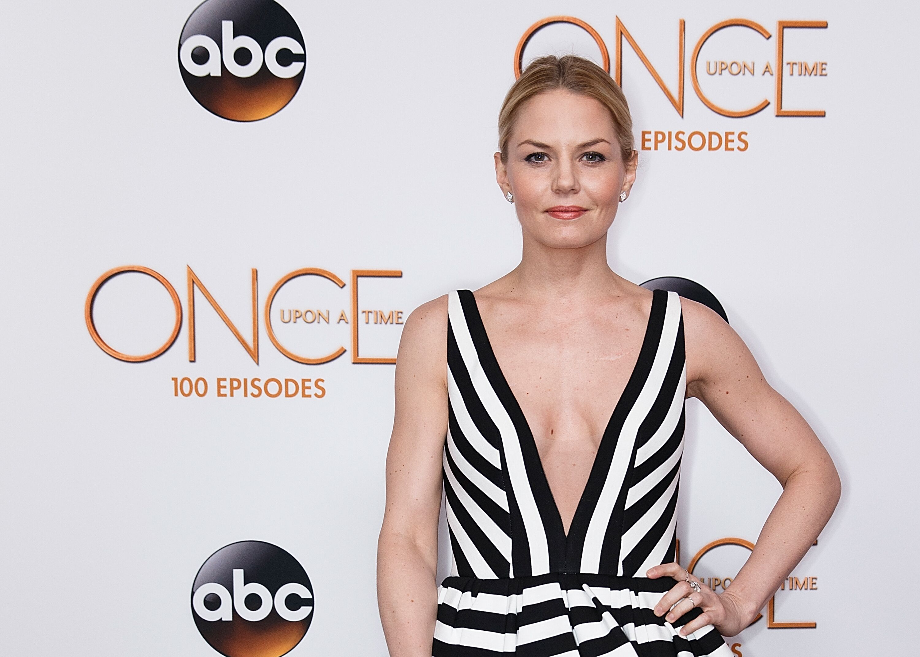 Once Upon A Time Season 6 Episode 9 Synopsis Changelings