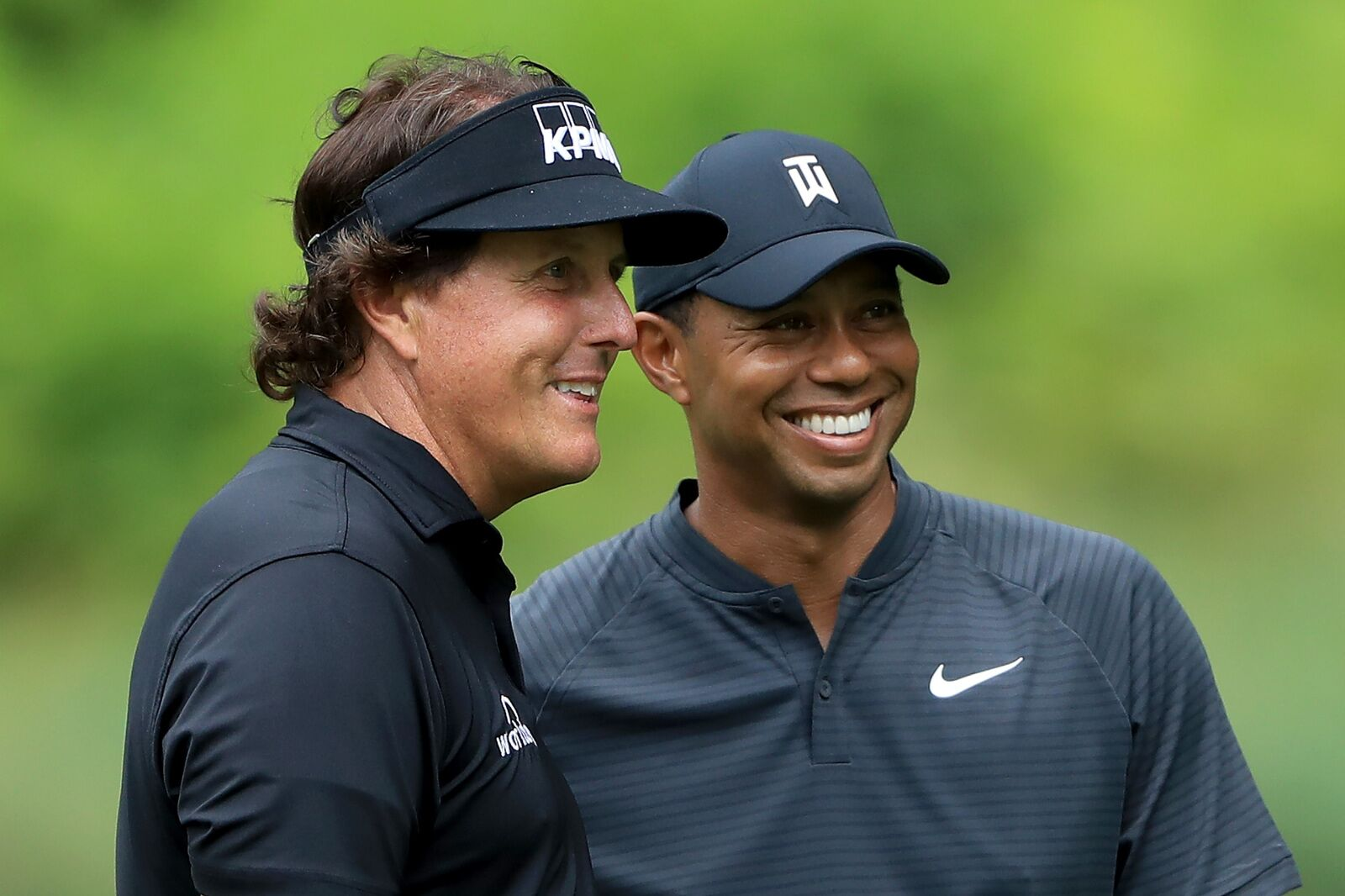 Thanksgiving match between Tiger Woods and Phil Mickelson official