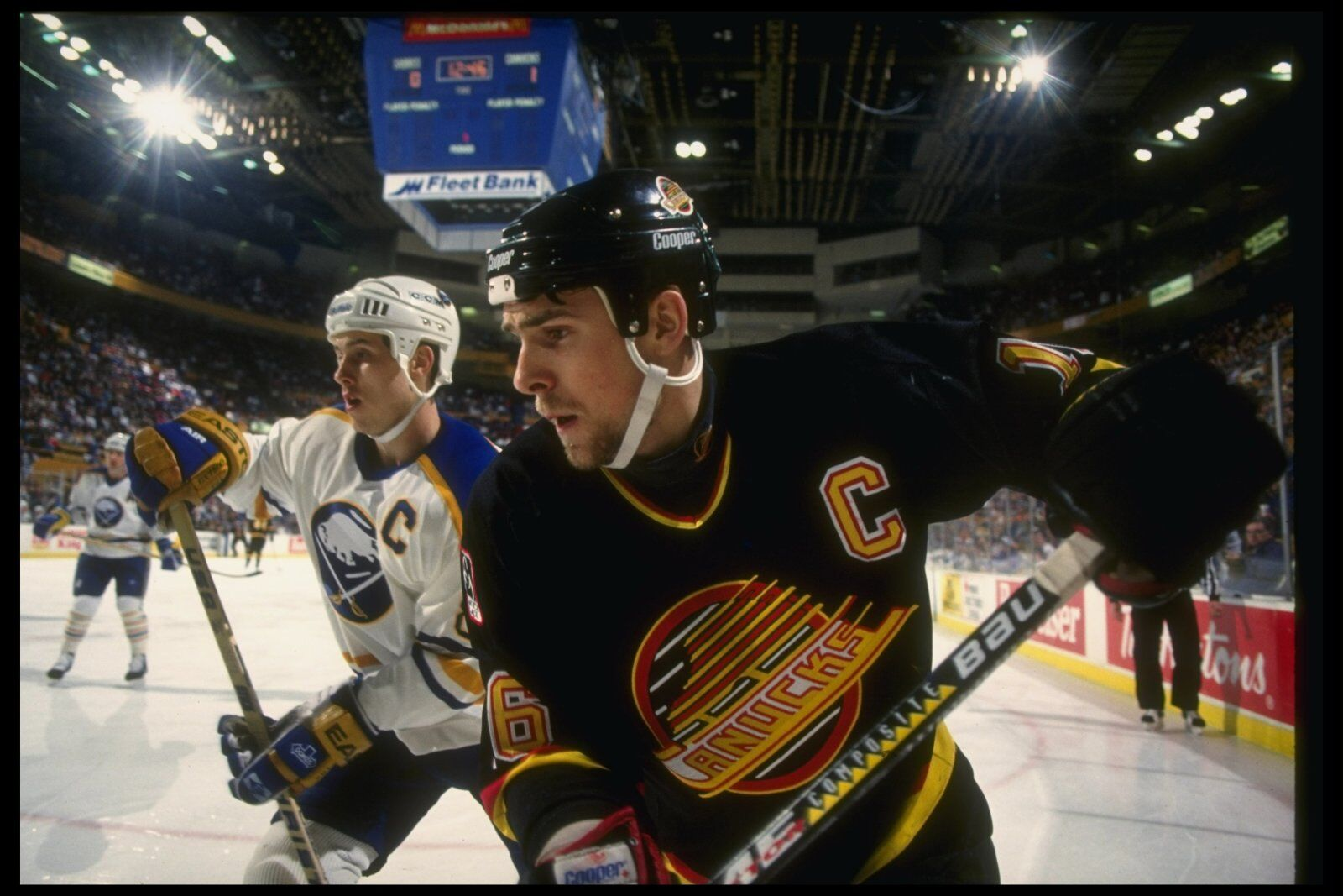 Canucks to bring back old-school Flying Skate jersey in 2019-20 8f83f4c75