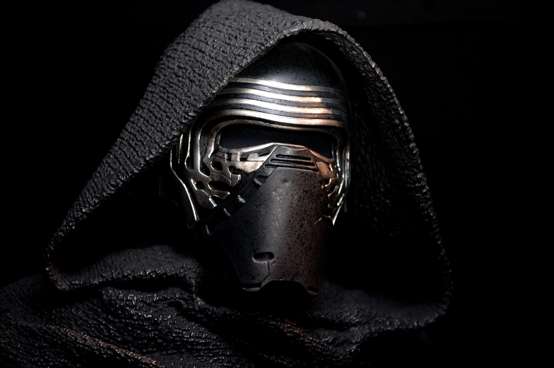 Wait, so Kylo Ren kills the Knights of Ren in Star Wars?