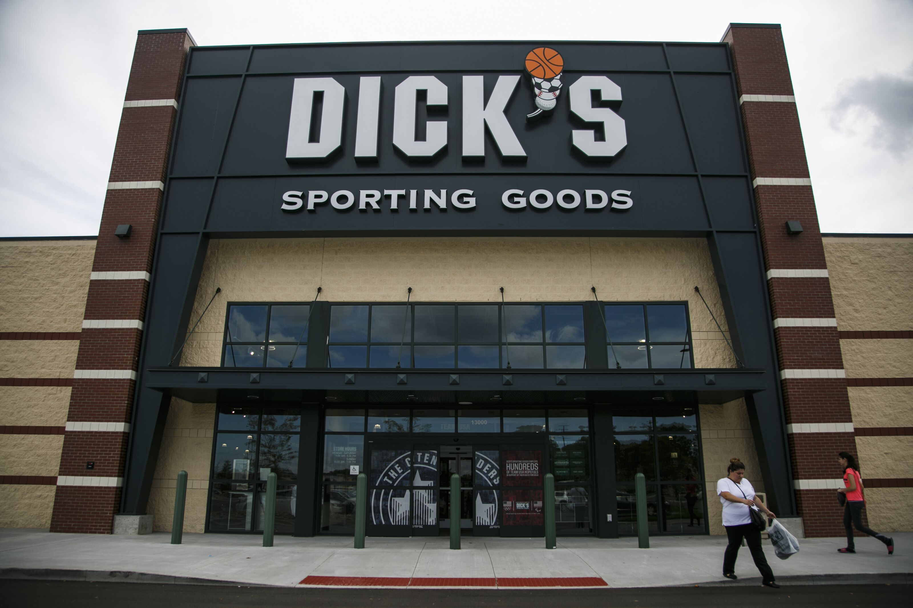 Holiday Deals & Gifts at DICK'S Shop the season's greatest savings at DICK'S Sporting Goods. Save up to 50% on select products with holiday deals on apparel, footwear and gear for every fan and athlete on your list.