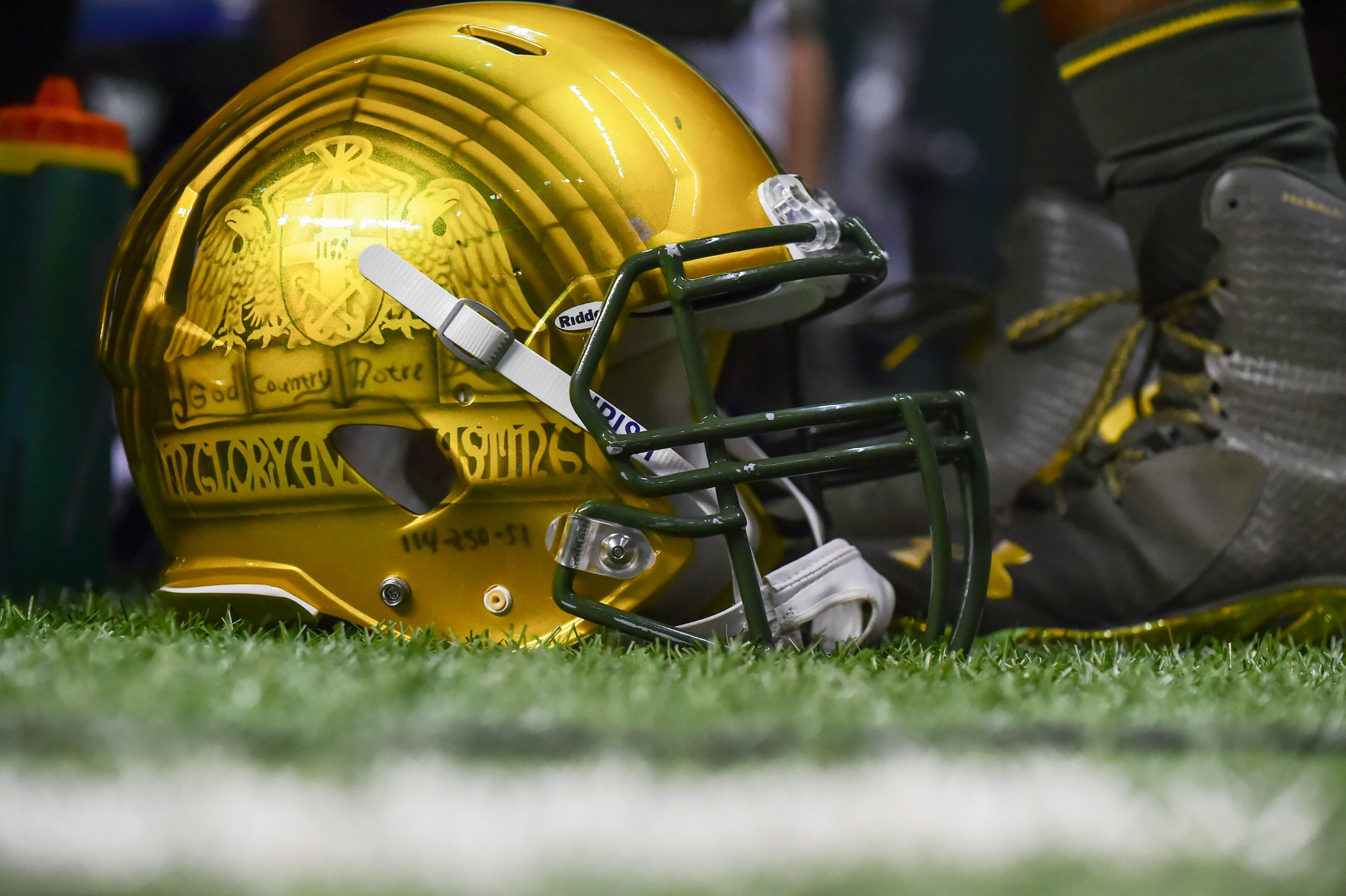 dc4d42bd Notre Dame unveils Yankees-inspired uniforms for Shamrock Series game