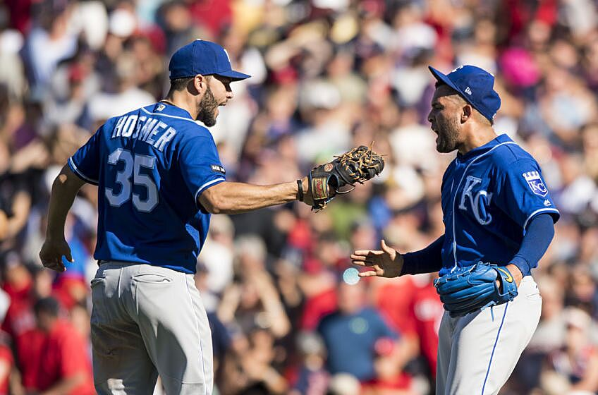 Mlb Wild Card Standings Royals Open Lead In American League