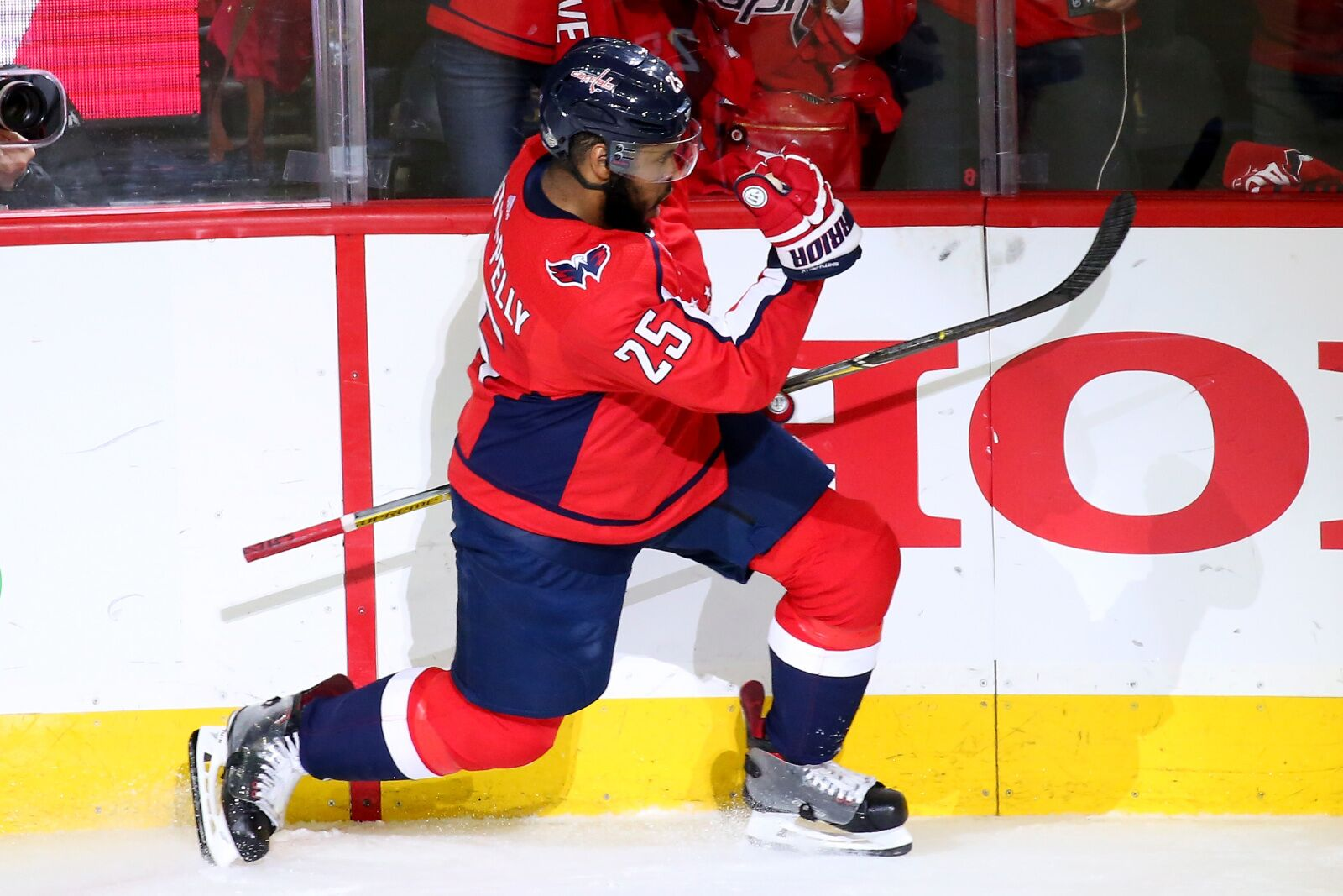 b8352177651 Capitals' Devante Smith-Pelly just went Pete Townshend on the celly