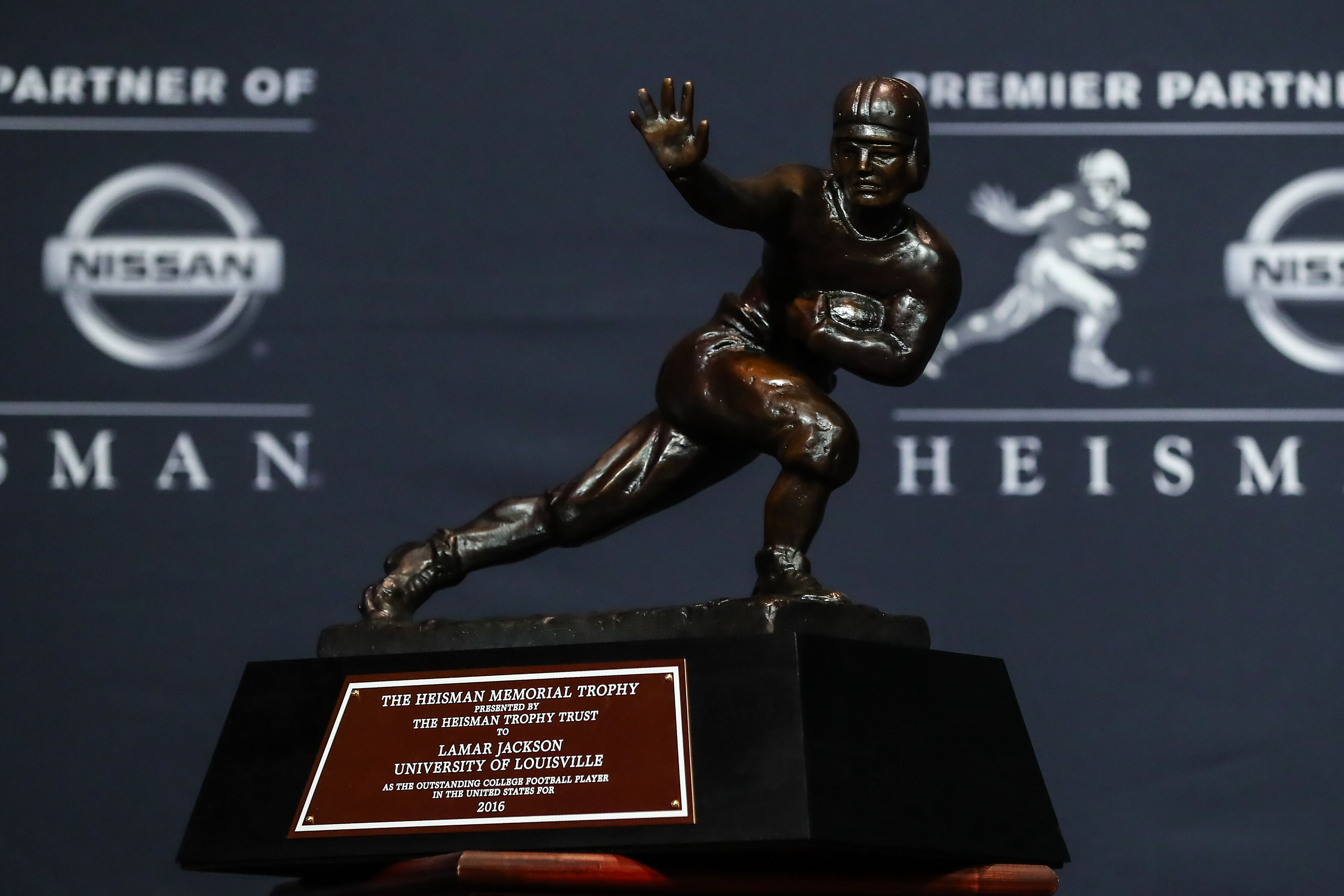 Watch the first Nissan Heisman House ad Video