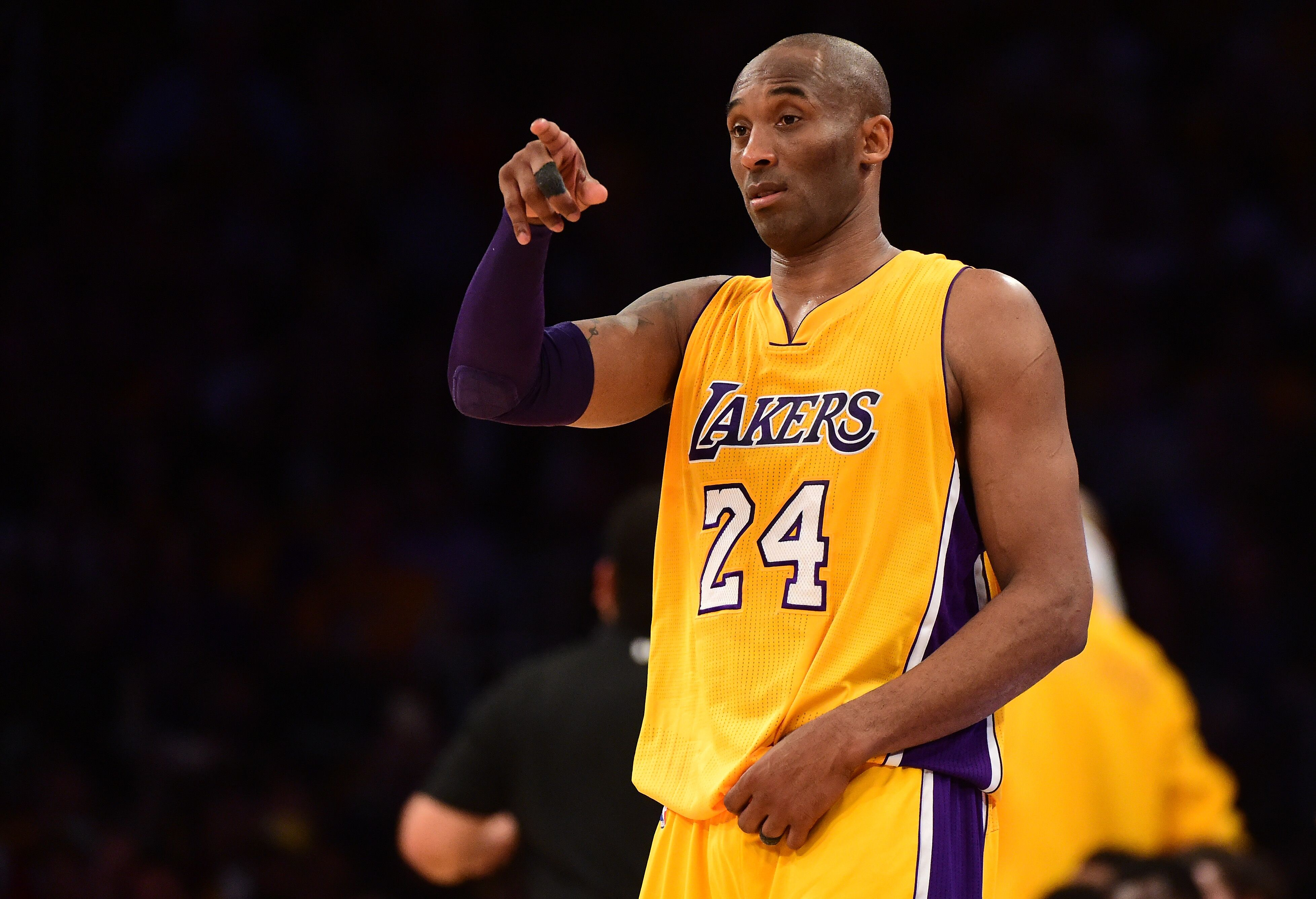 Lakers will reportedly retire Kobe Bryant s jersey on Dec 18