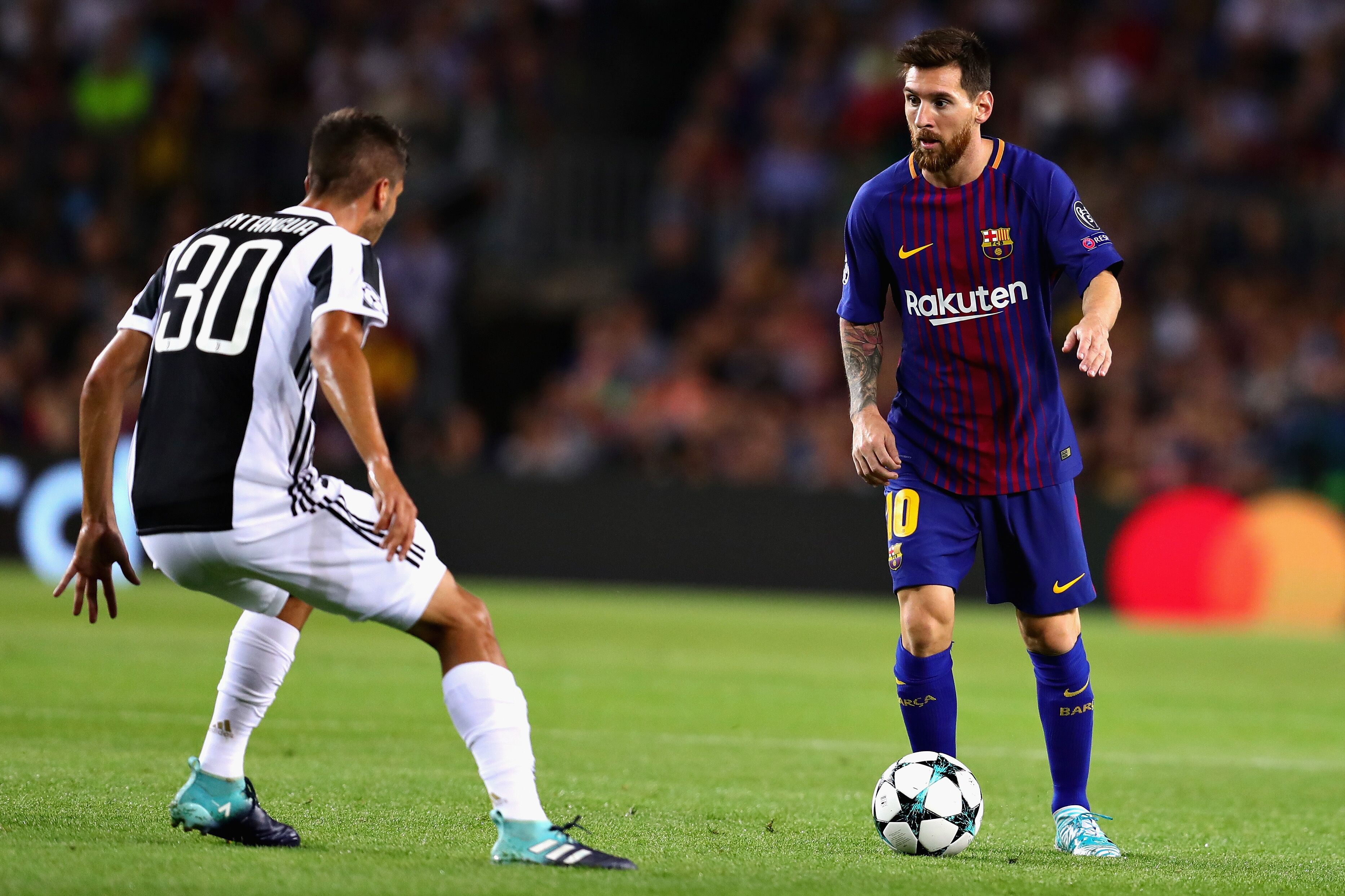 Lionel Messi gives Barcelona the lead against Juventus (Video)
