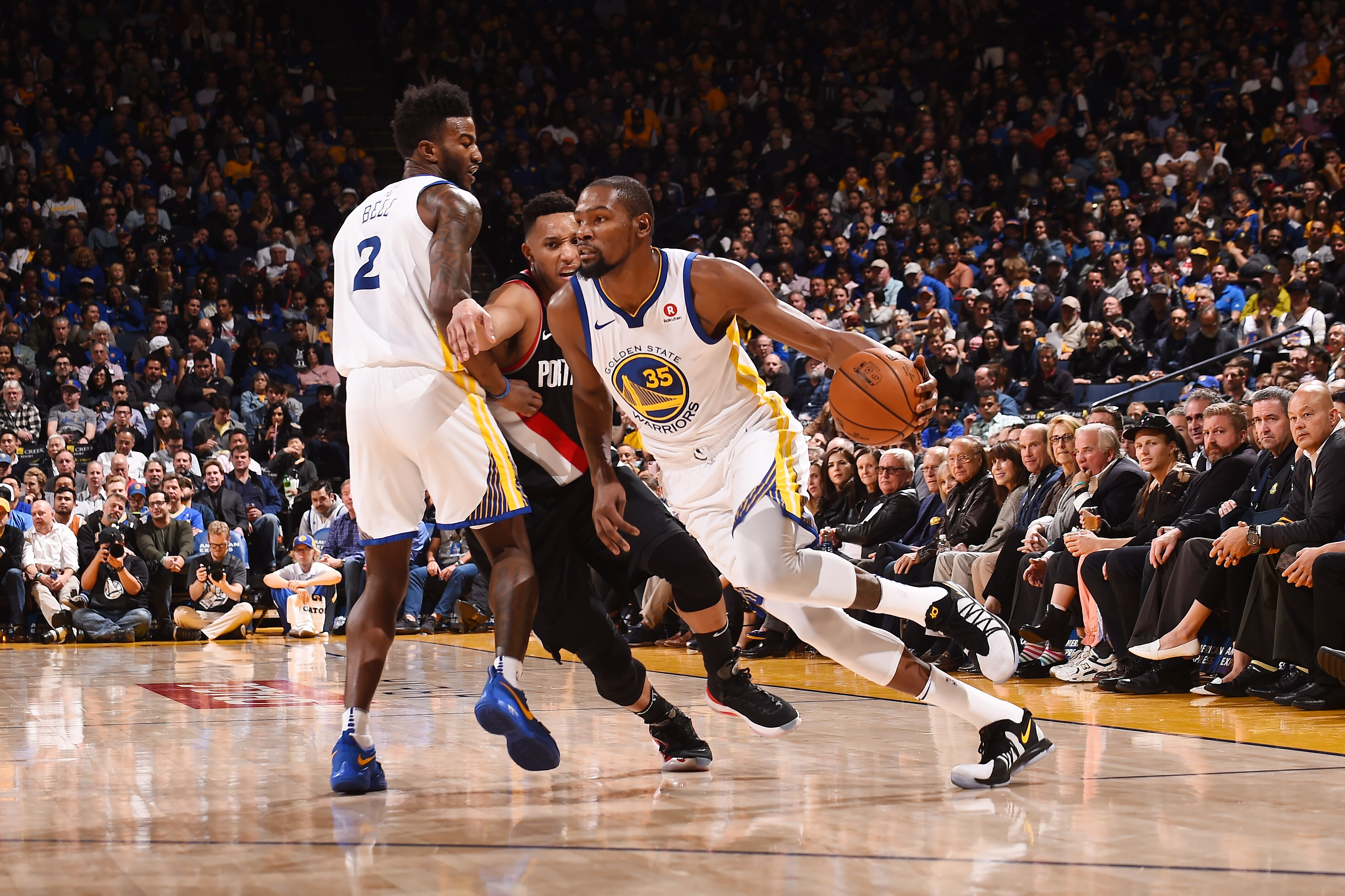 cd43eb2a7e86 Kevin Durant is playing like an MVP in Stephen Curry s absence