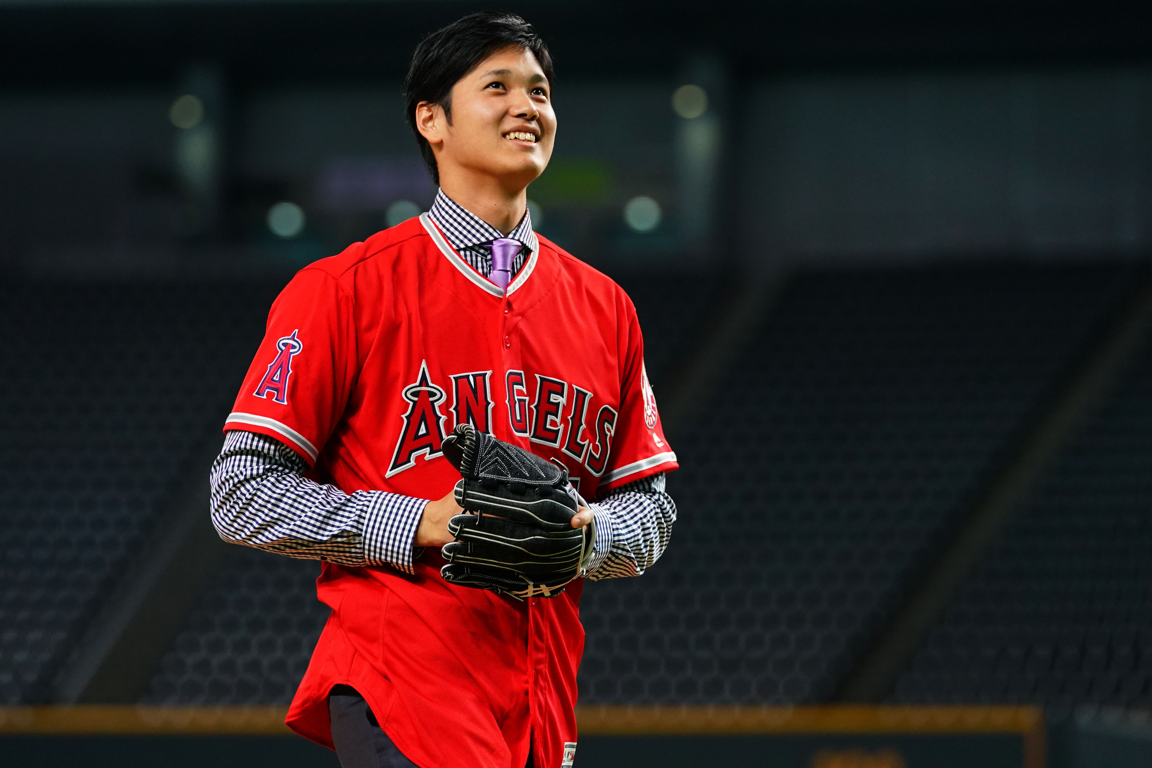 Shohei Ohtani looks good in Angels camp