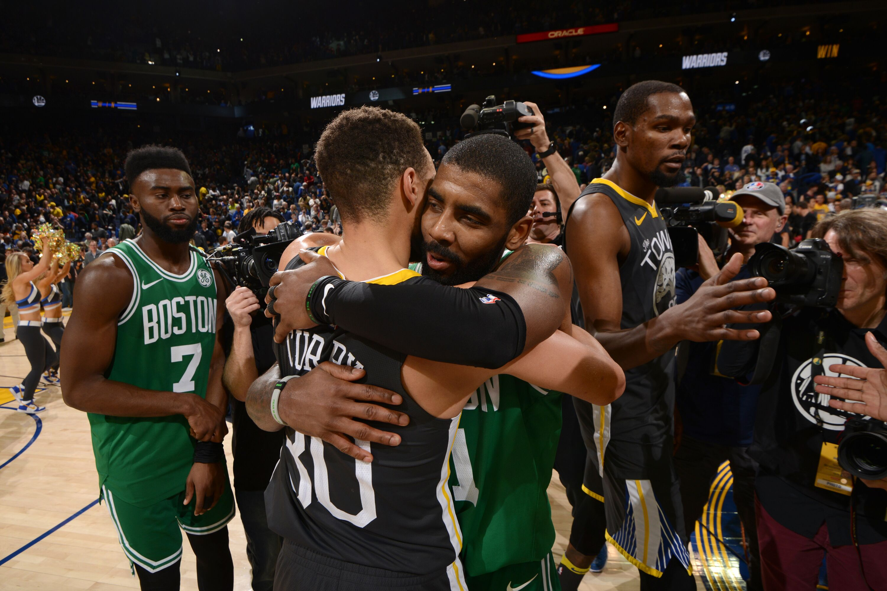 911228030-boston-celtics-v-golden-state-
