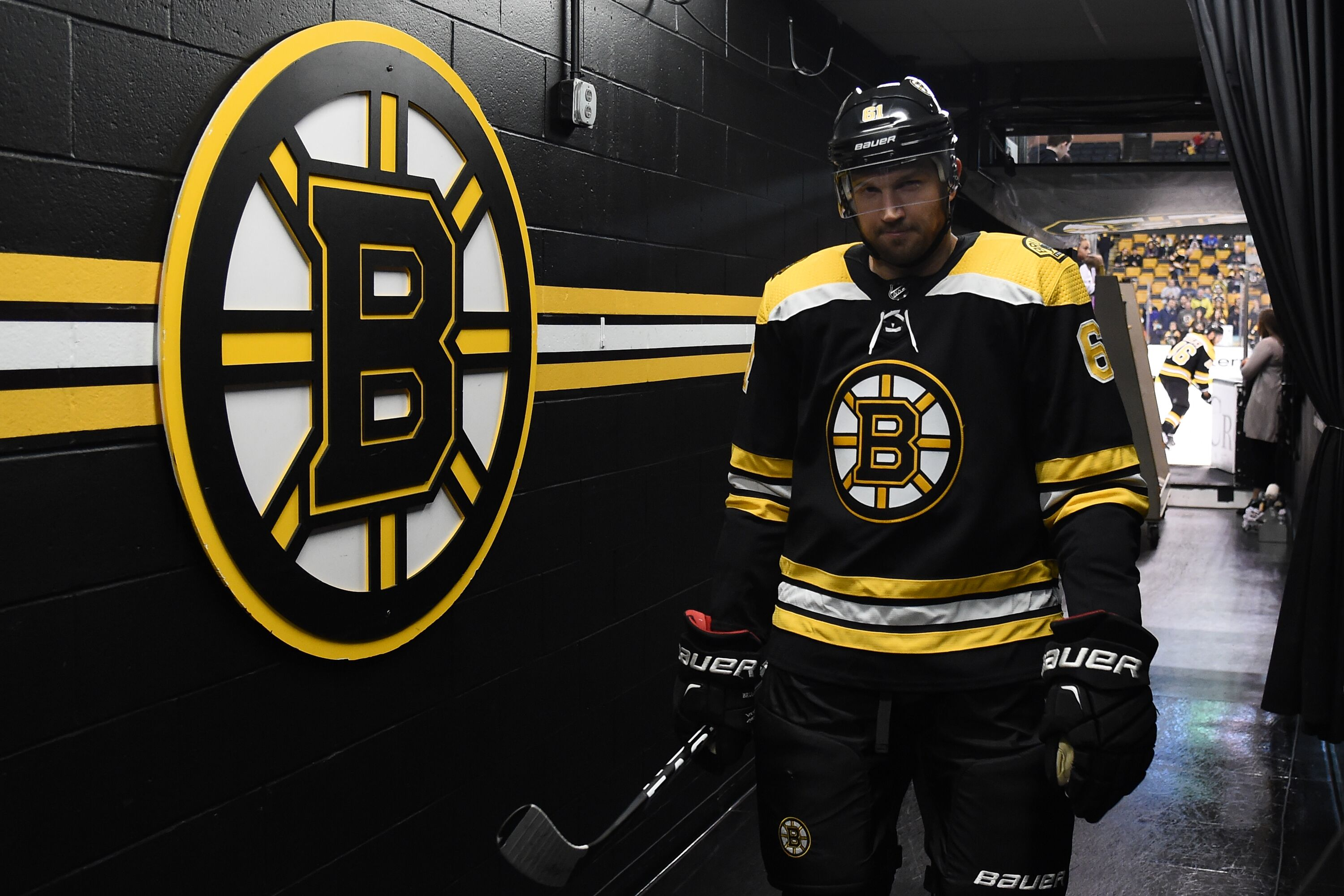 Rick Nash has wild home debut for Bruins (Video)