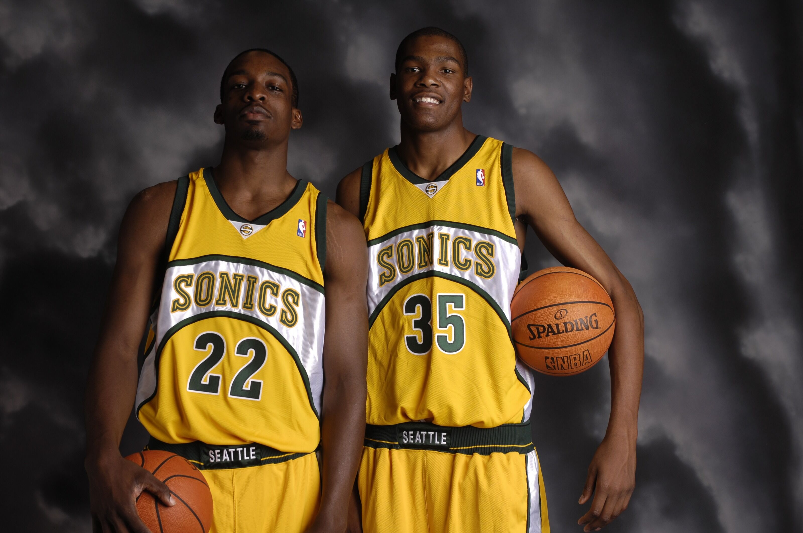 9f0bcc6f156e Seattle Supersonics  Kevin Durant and Jeff Green in 2018 NBA Finals
