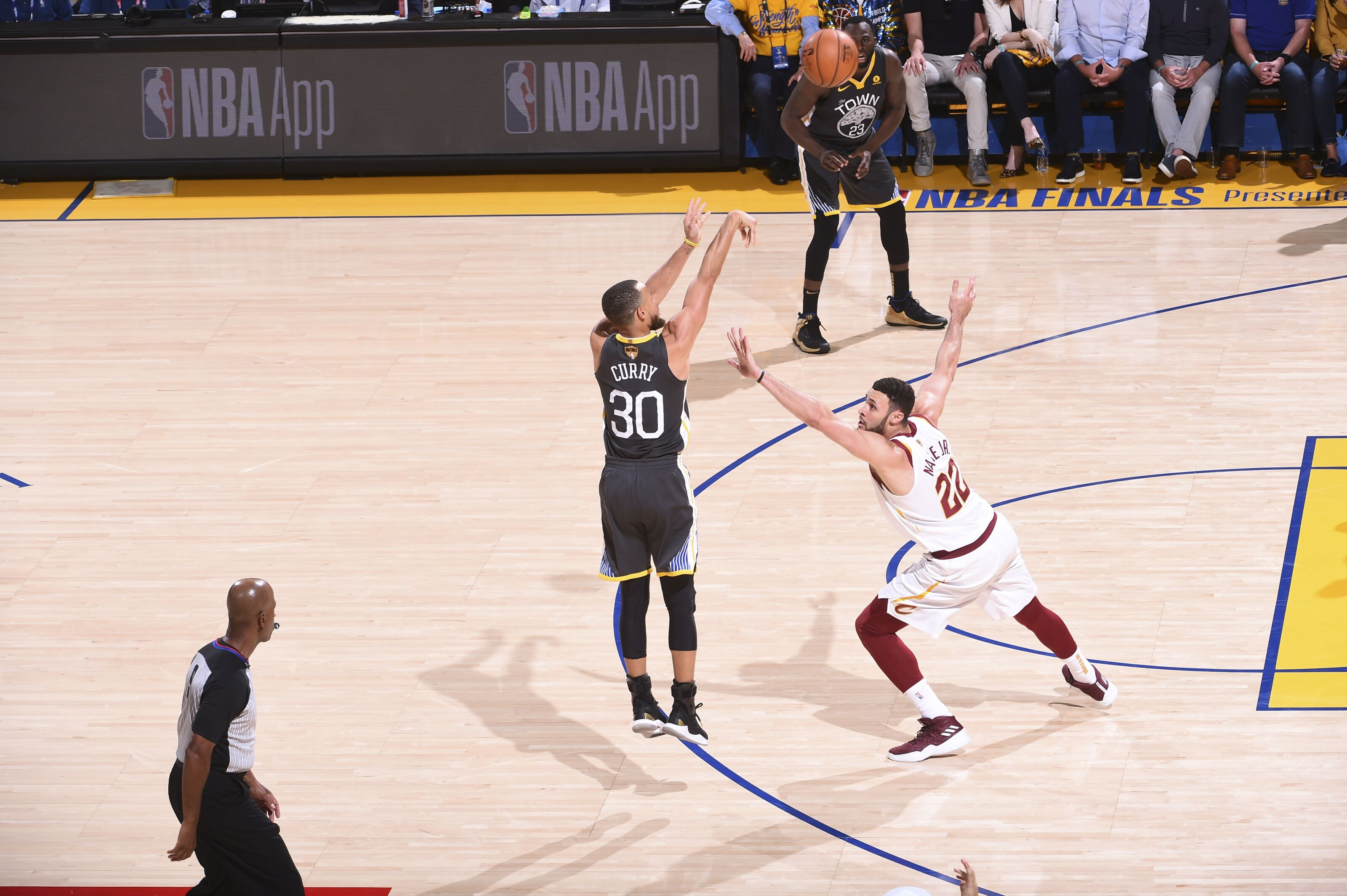 Nylon Calculus: No one shoots 3-pointers like the Warriors