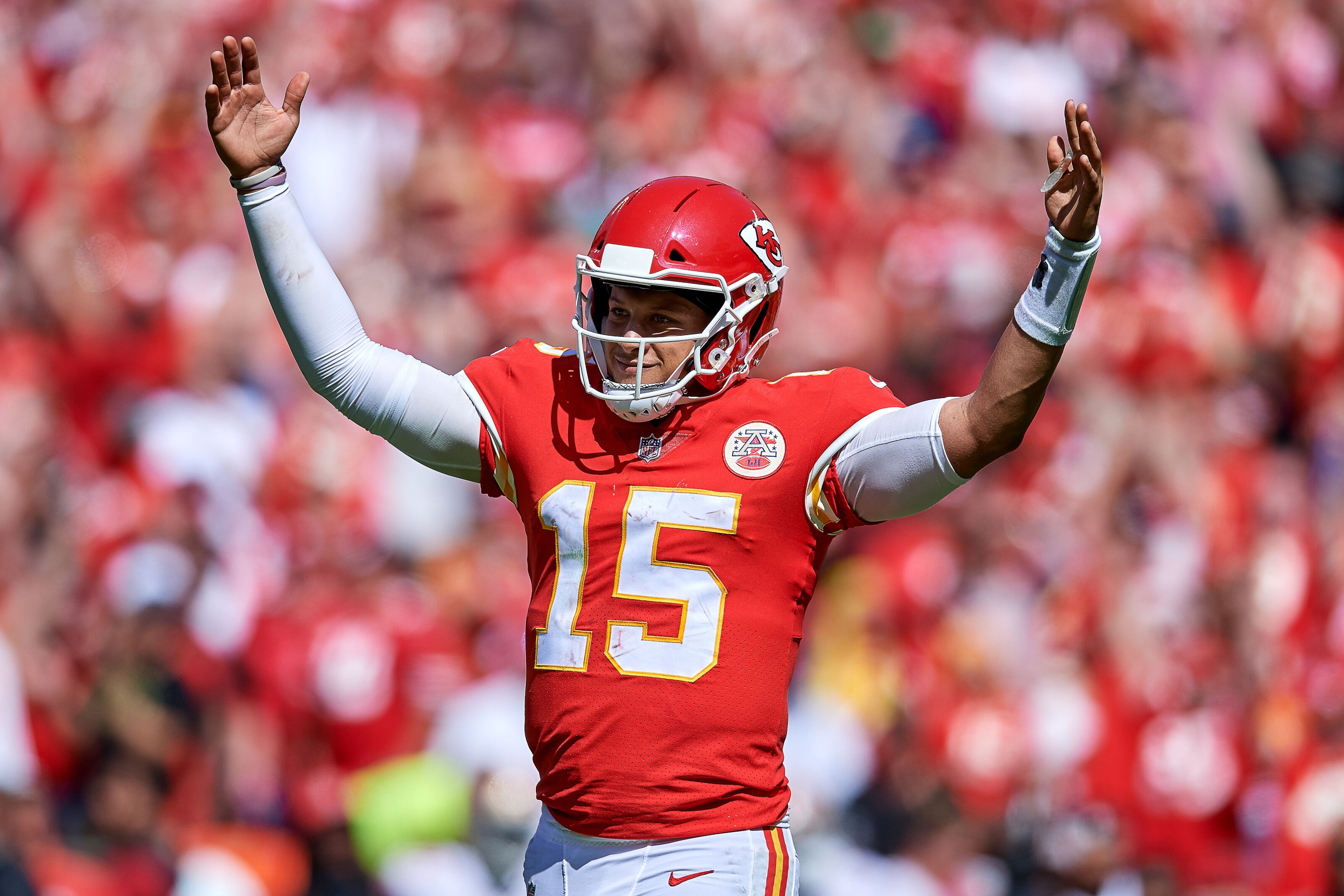 Patrick Mahomes is ridiculous 340cf0d43