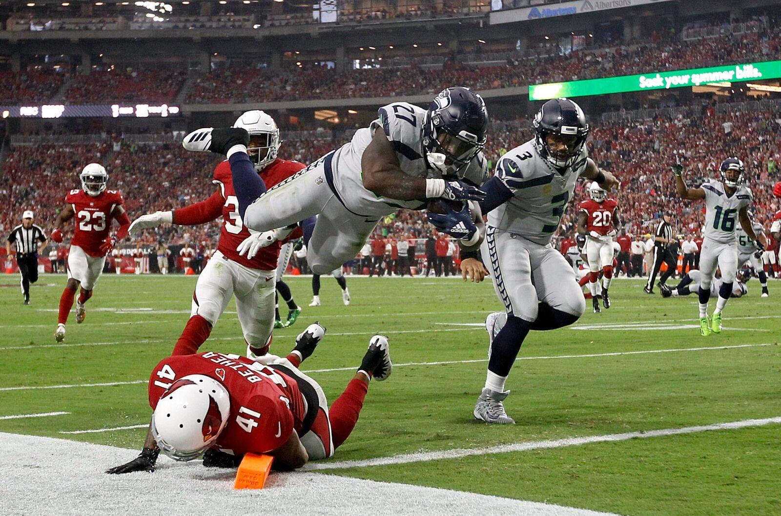quality design 5599b 07337 Tuesday Night Fortnite  Seahawks  Mike Davis vs. Packers  David Bakhtiari -  NFL News