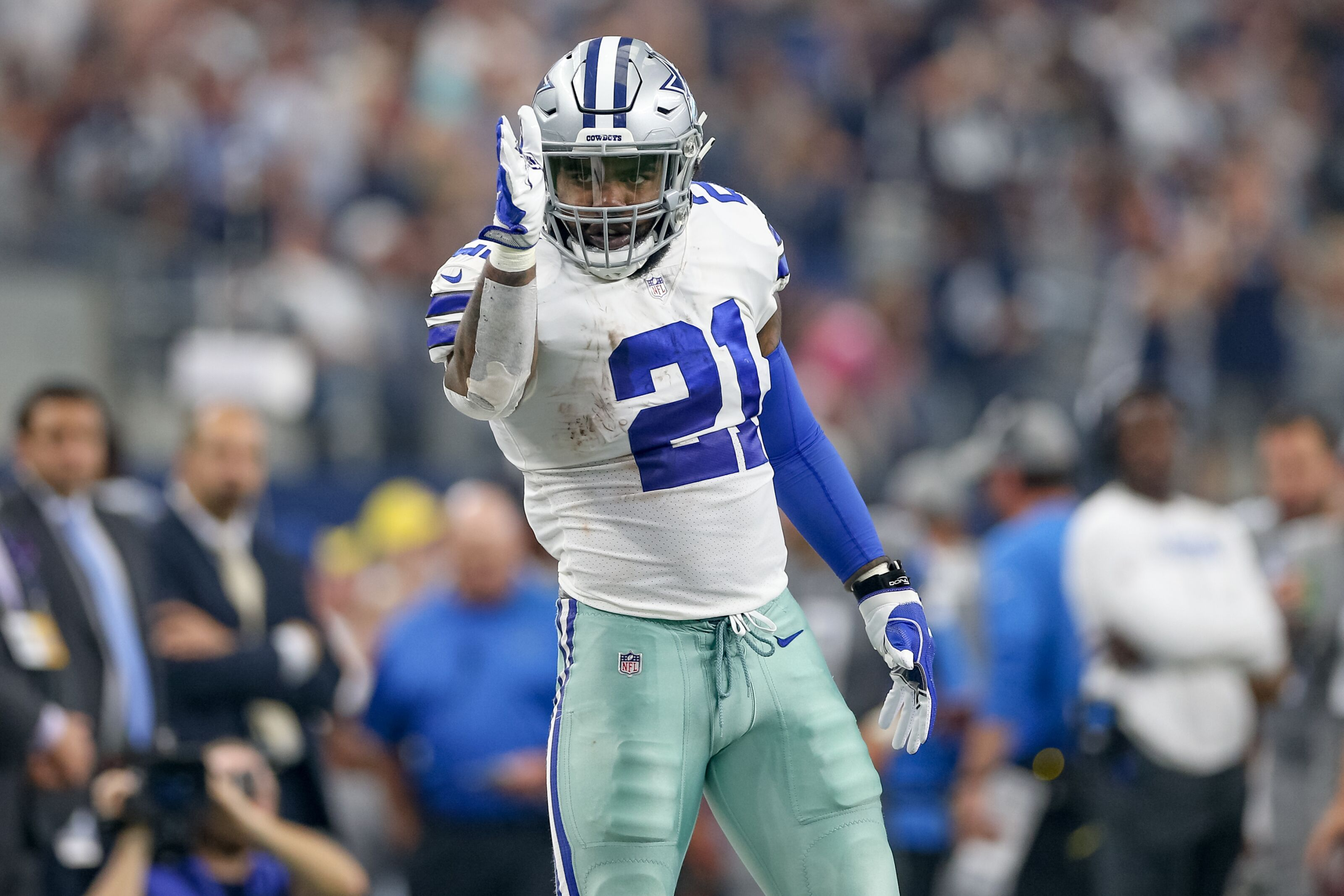 Ezekiel Elliott is an MVP candidate once again for Cowboys 232dcc547