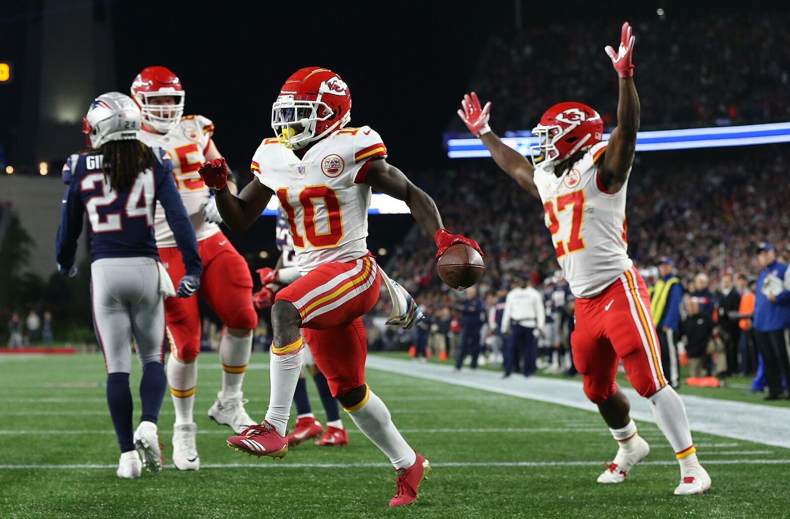cb3e17a3 Tyreek Hill says 'you need to be terrified of me too'