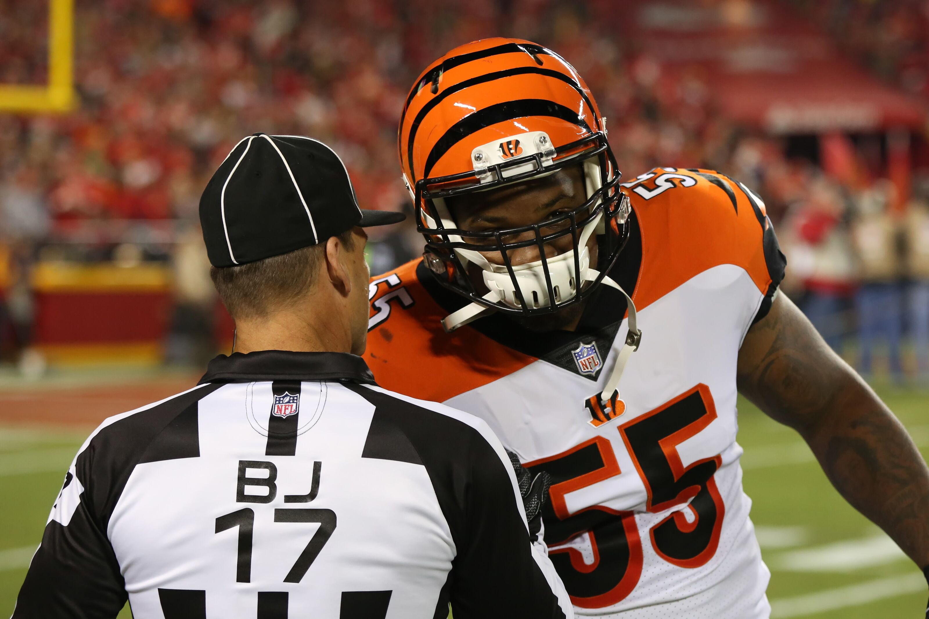 Oakland Raiders sign Vontaze Burfict: Grade, reaction and more
