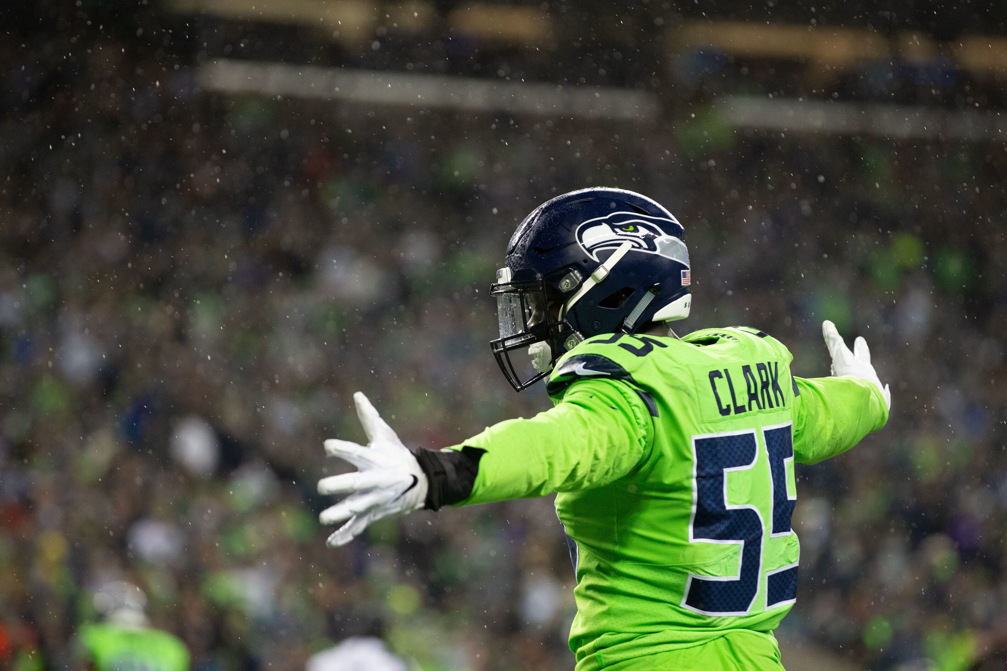 Chiefs trade for Frank Clark sends ugly message to team, fans