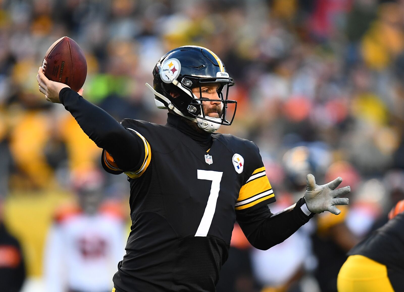 e7a1a3501cc Steelers working on extension for Ben Roethlisberger, but is that wise?
