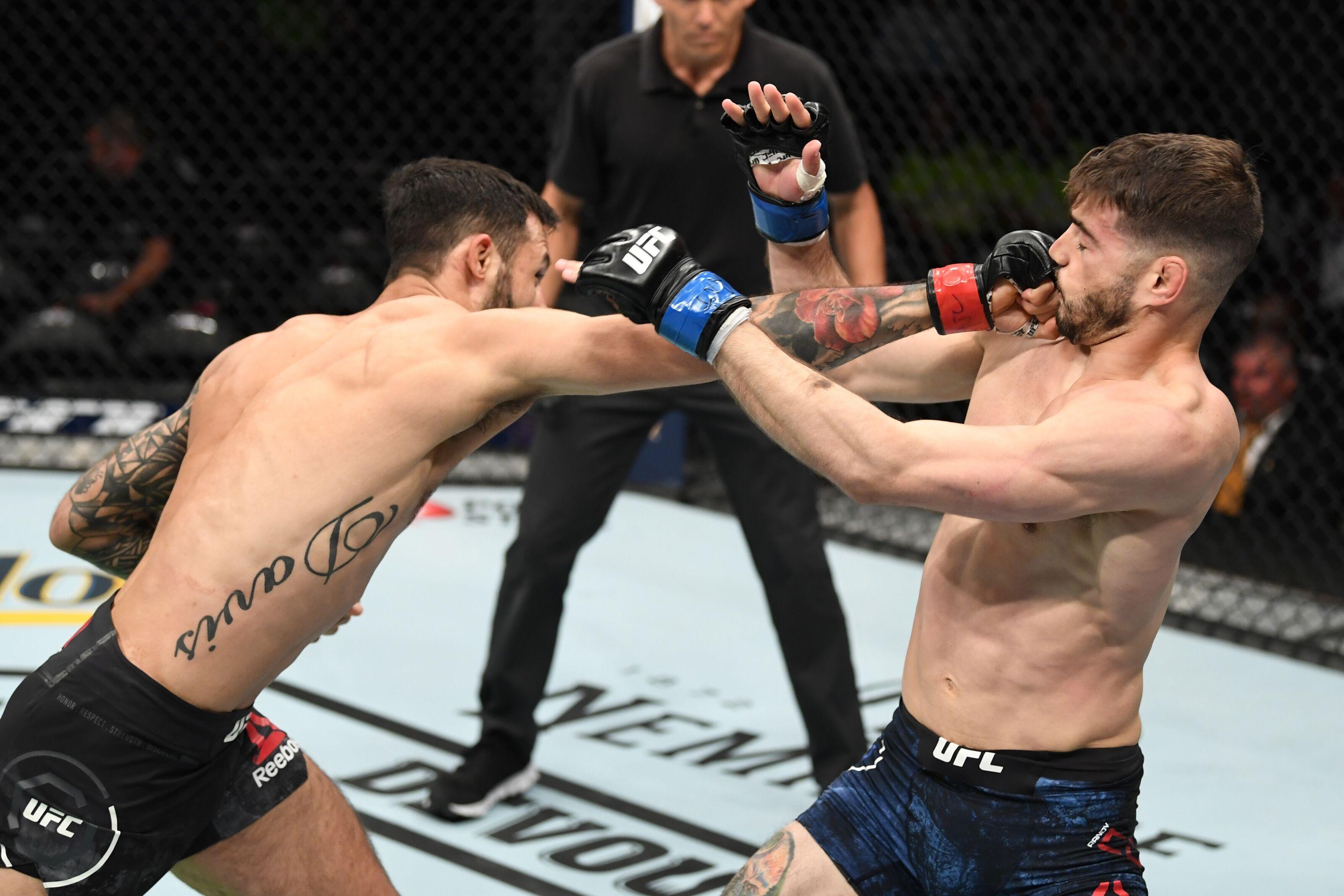 0bfa78f3a20 UFC 236: Brandon Davis taps Randy Costa after slug fest