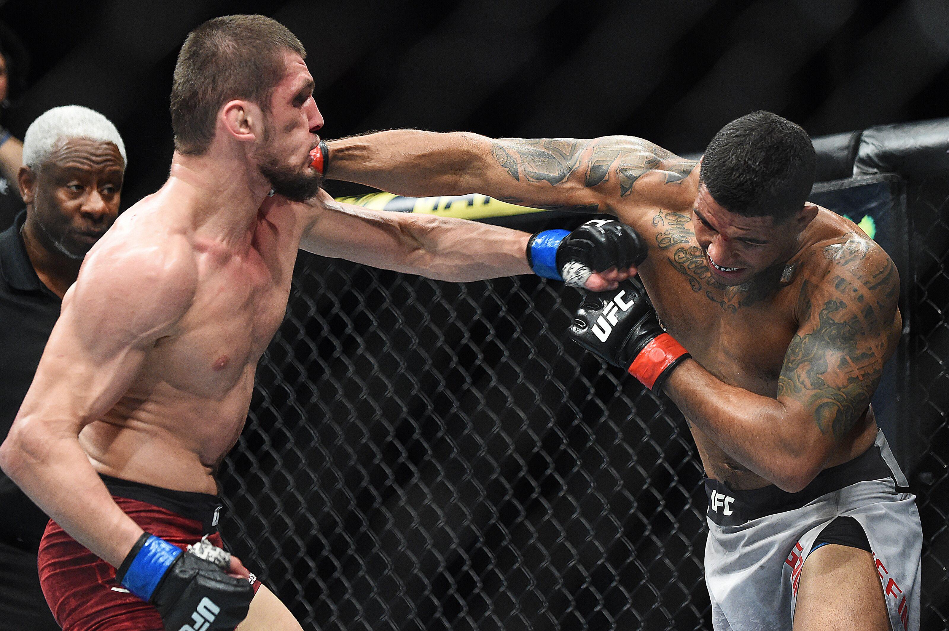 0dbefe9e70e UFC 236: Max Griffin gets rare majority decision over Zelim Imadaev