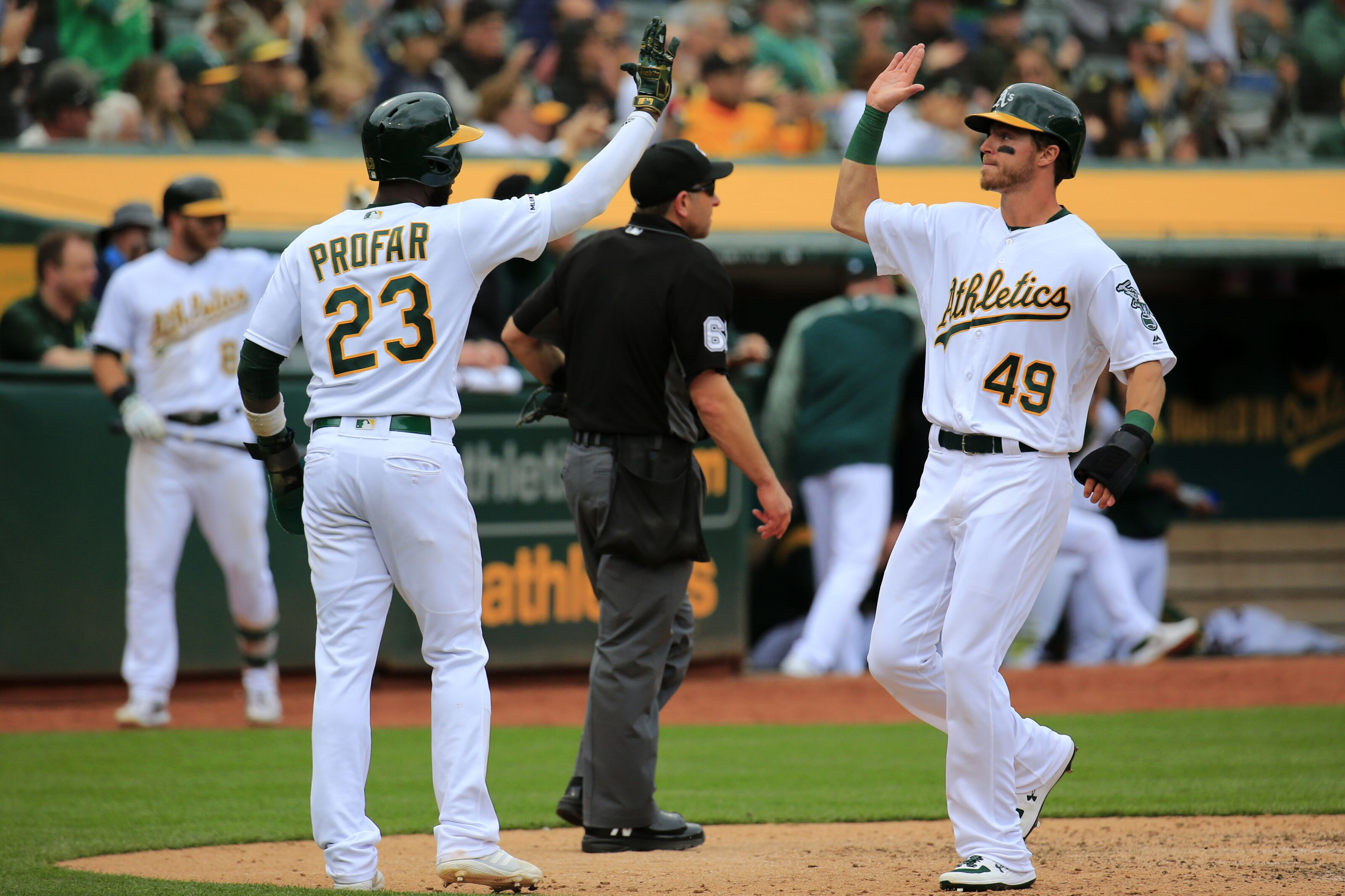 Mlb Wild Card Standings Oakland Surges Cleveland Falters