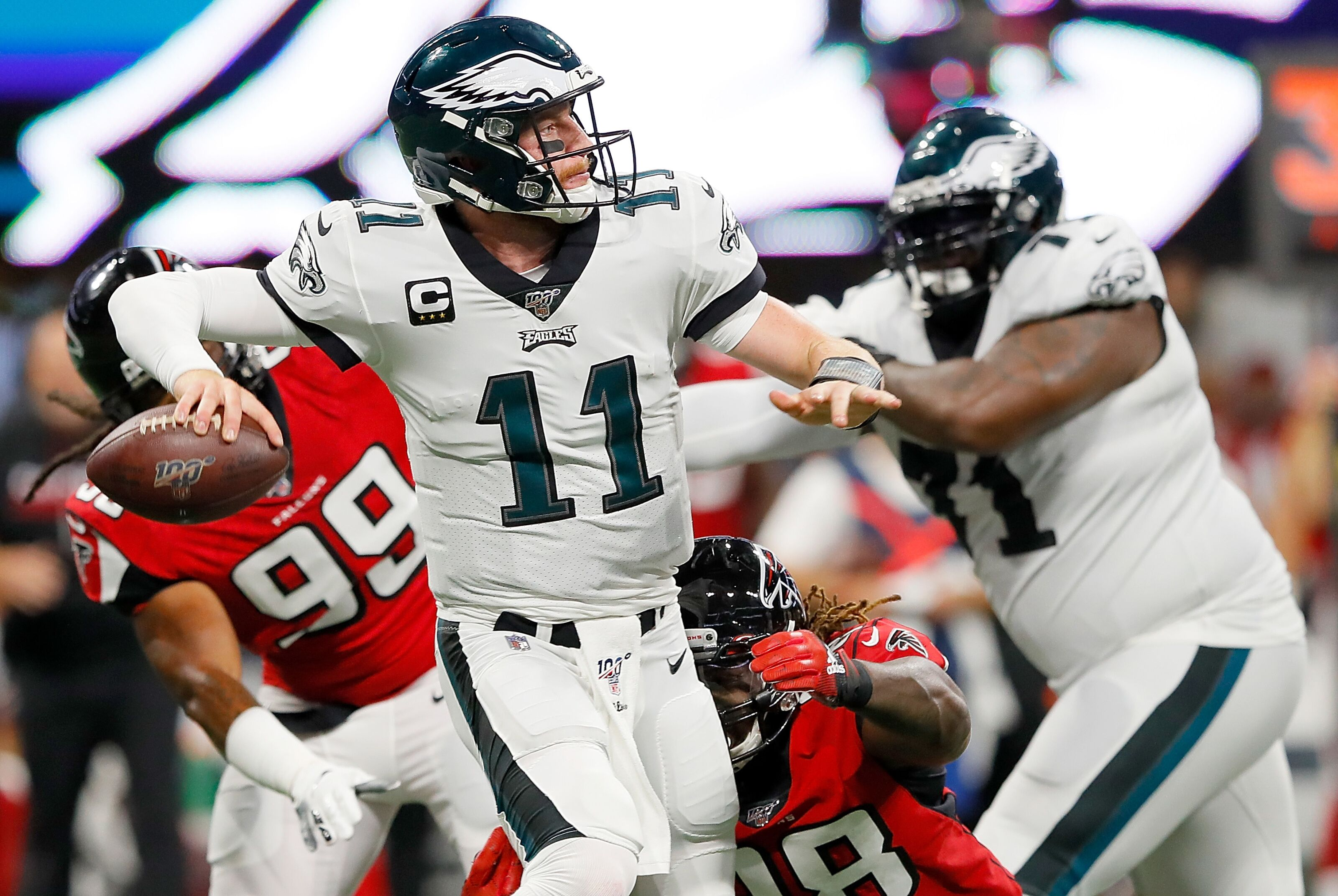 Carson Wentz injured for Eagles, Josh McCown comes in