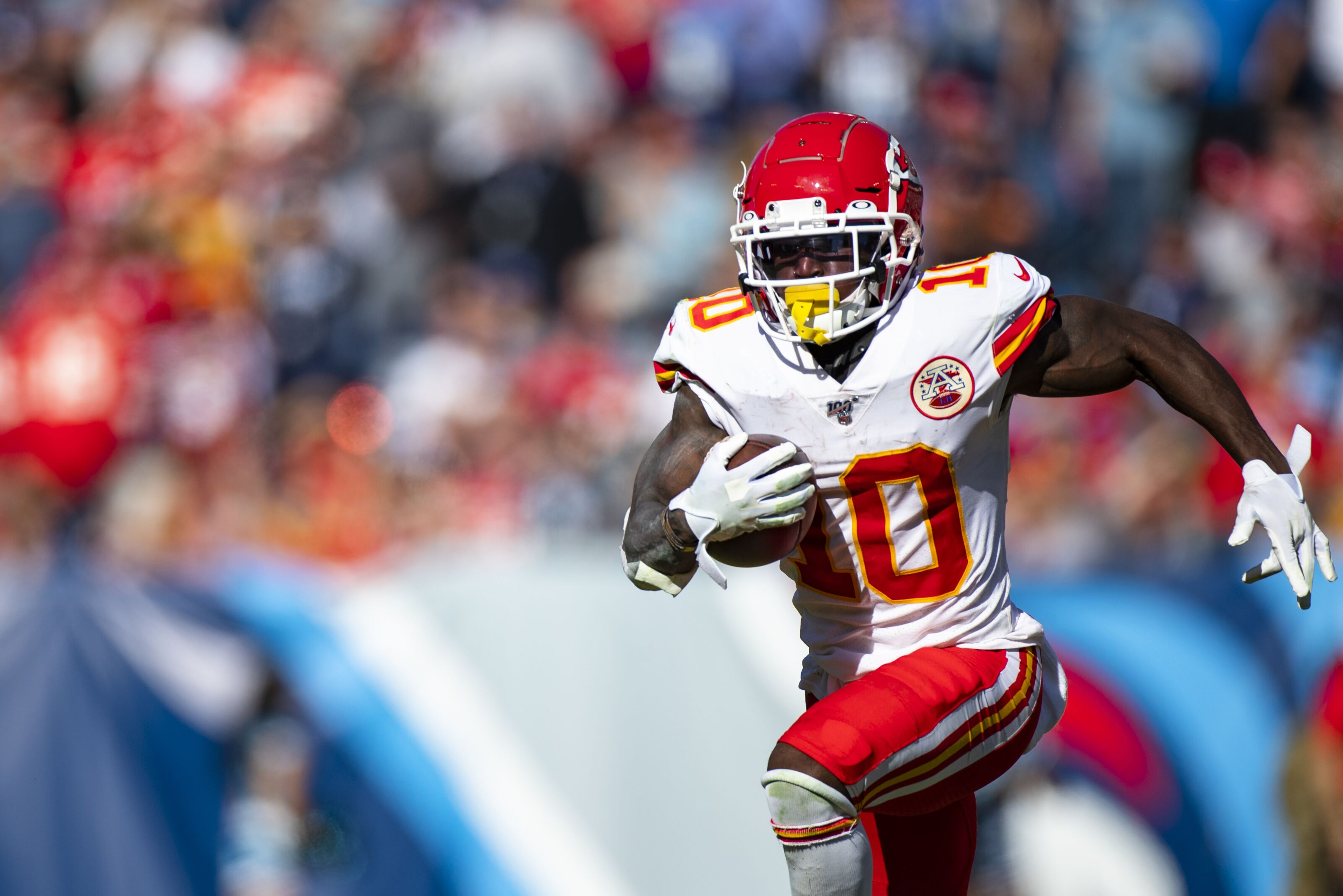 Here's what you should do with Tyreek Hill this week
